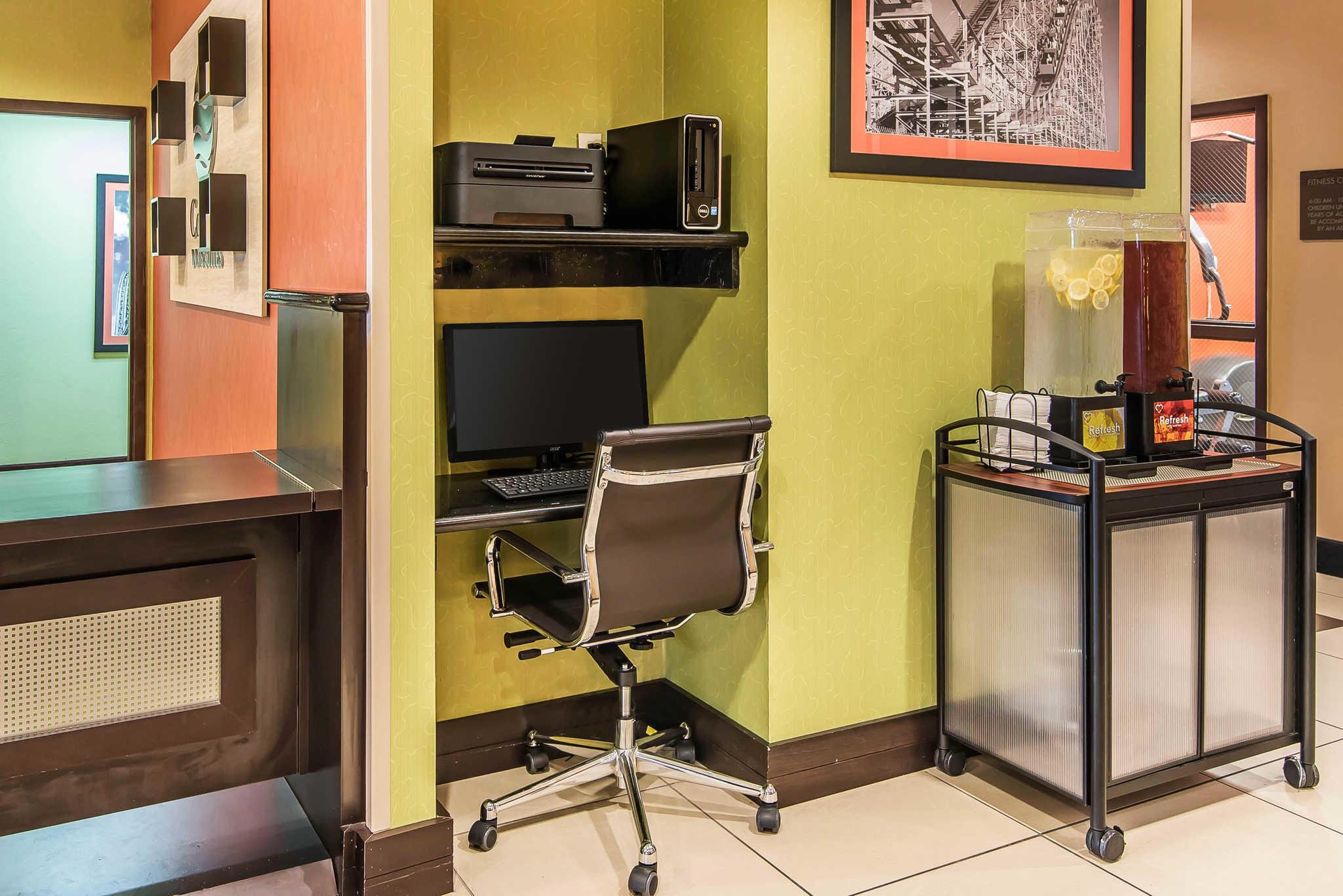 Comfort Inn & Suites Kansas City - Northeast image 30