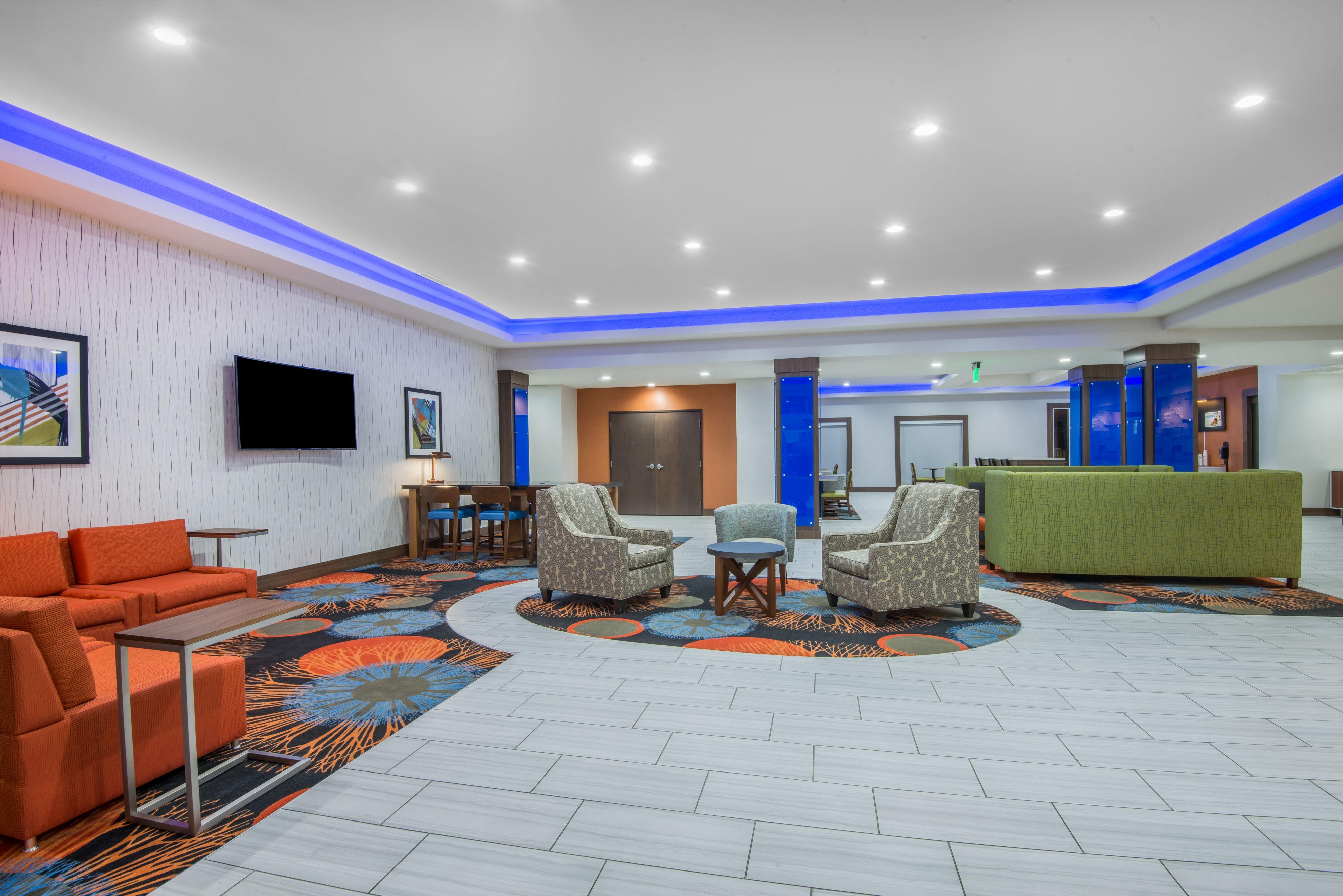 Holiday Inn Express & Suites Stillwater - University Area image 5