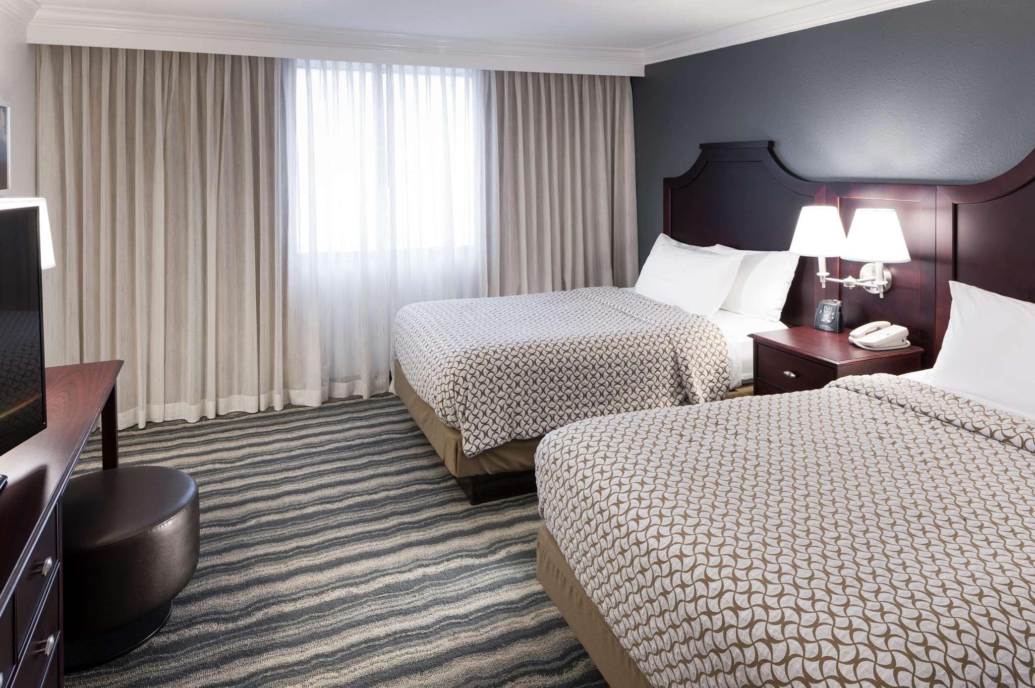 Embassy Suites by Hilton Tampa Brandon image 17