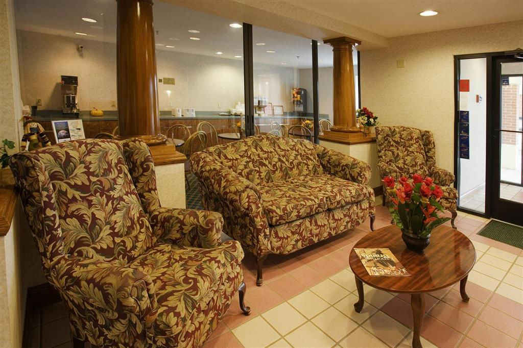 Americas Best Value Inn - Franklin/Spring Hill image 3