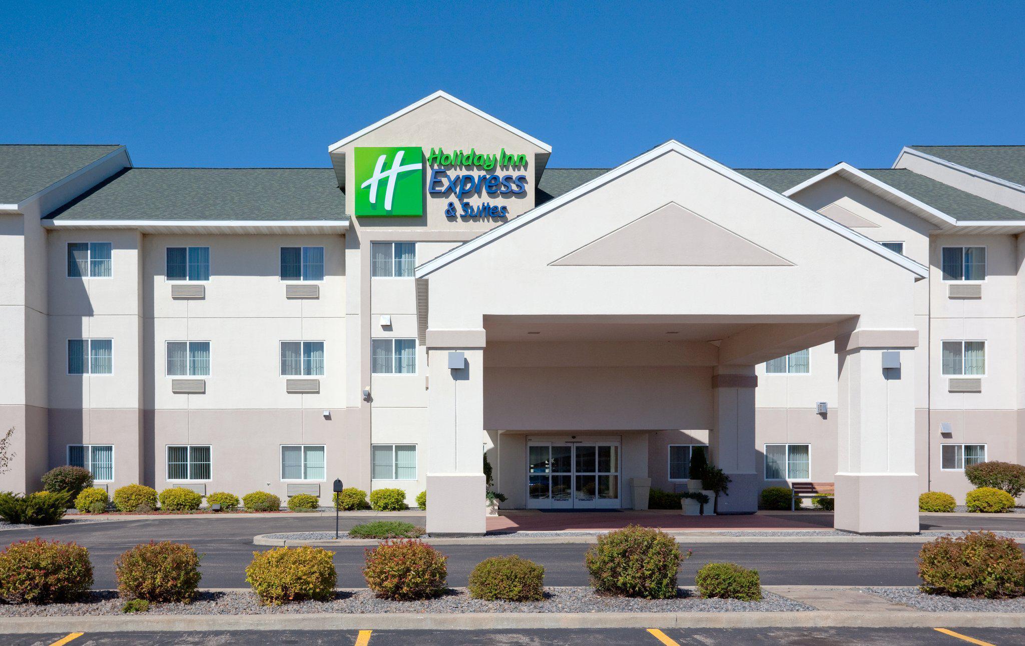 Holiday Inn Express & Suites Stevens Point, an IHG Hotel