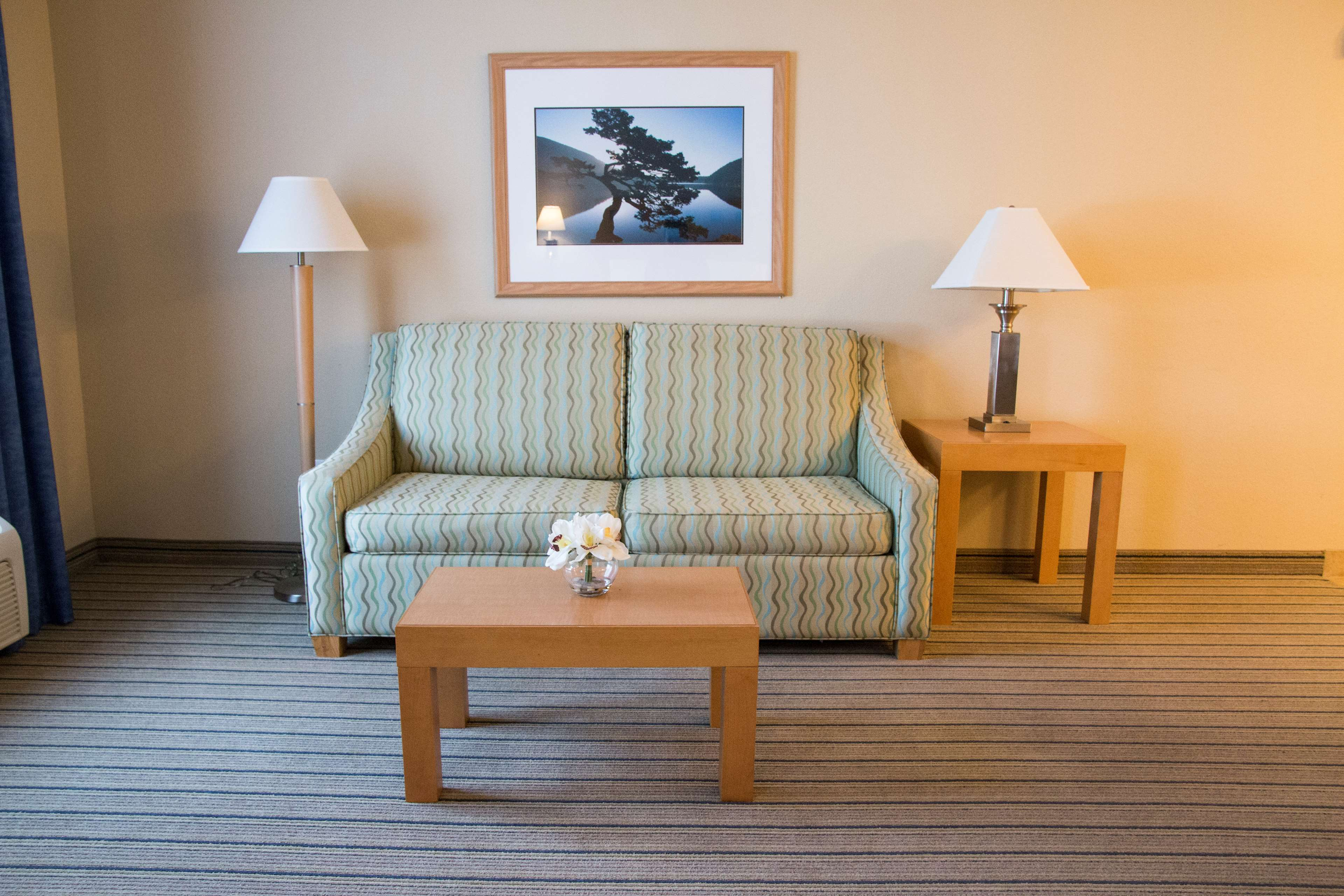 Hampton Inn & Suites Madera image 37