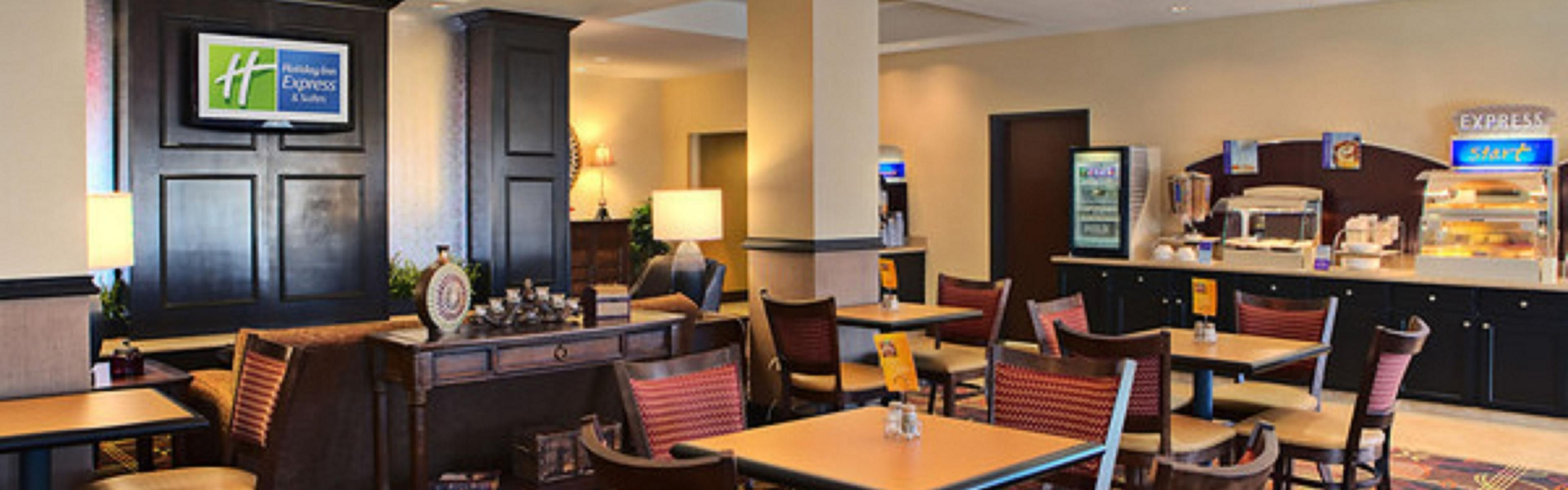 Holiday Inn Express & Suites Cotulla image 3