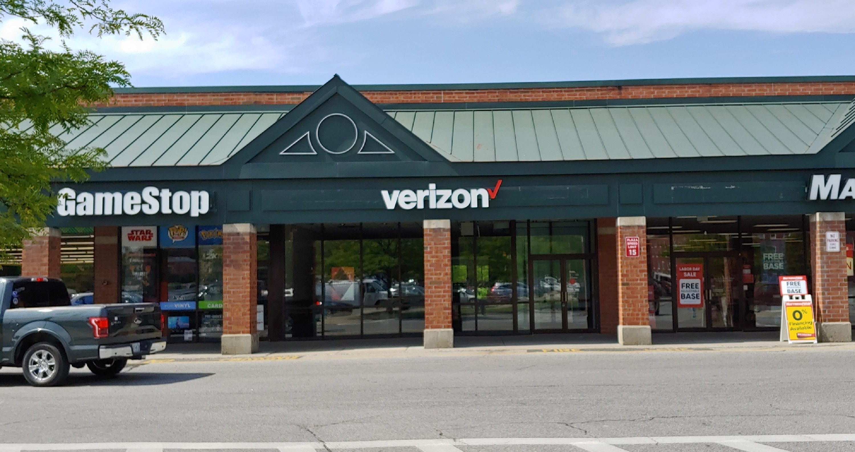 Verizon Authorized Retailer – GoWireless image 4