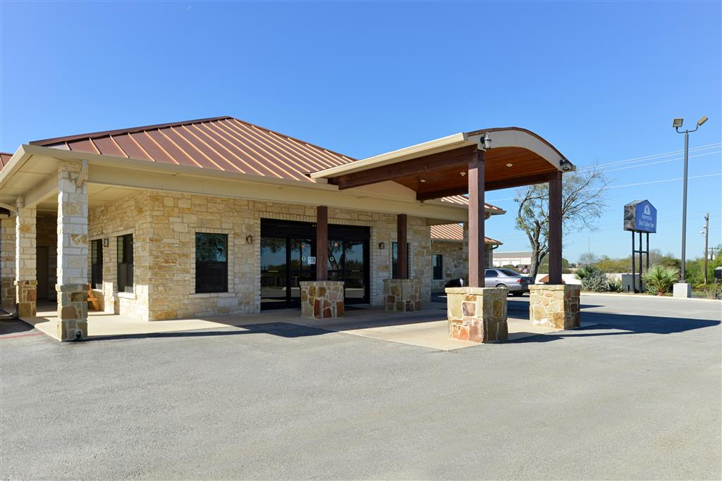 Americas Best Value Inn - Jourdanton/Pleasanton image 1