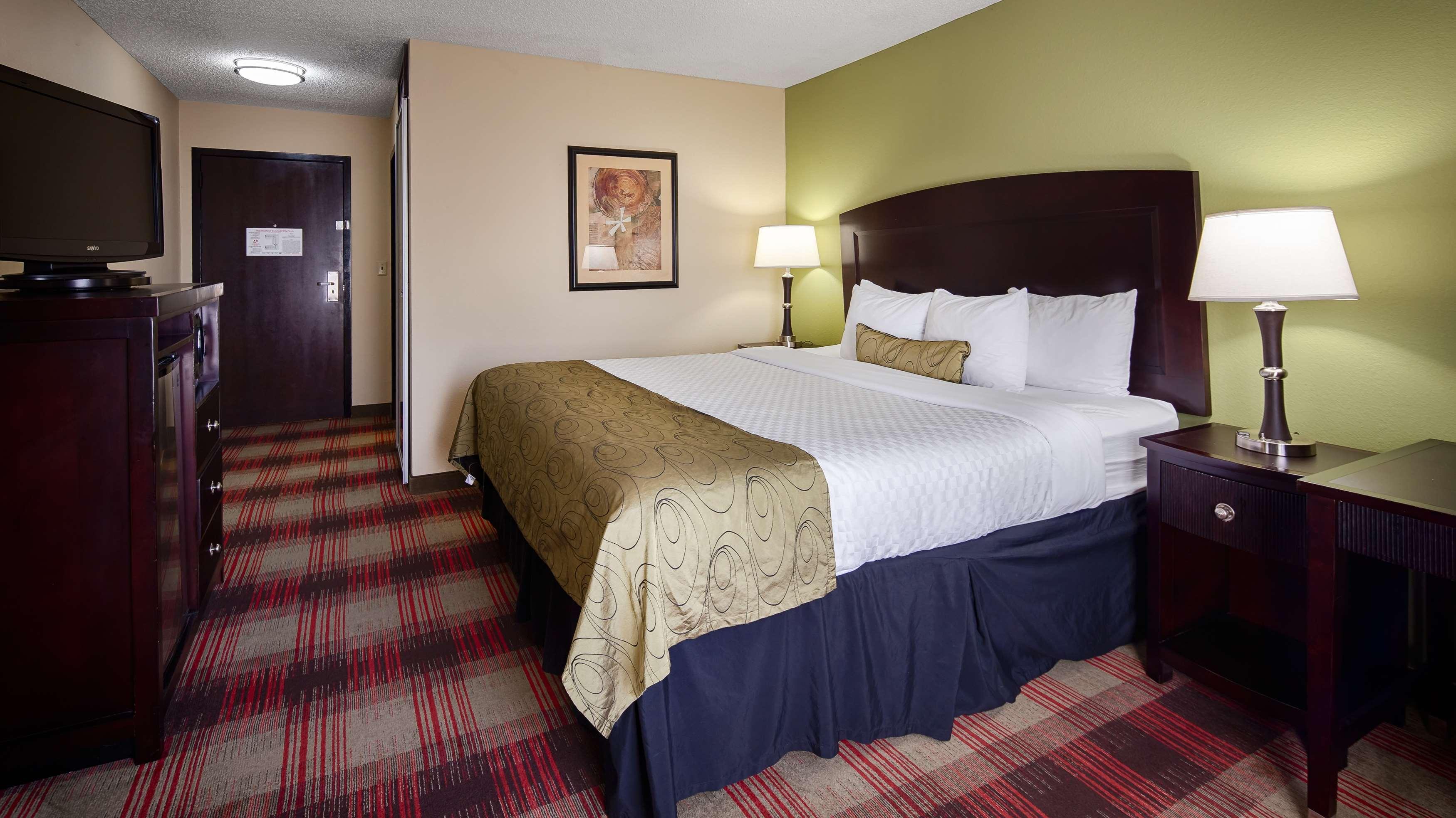 Best Western Plus Addison/Dallas Hotel image 16