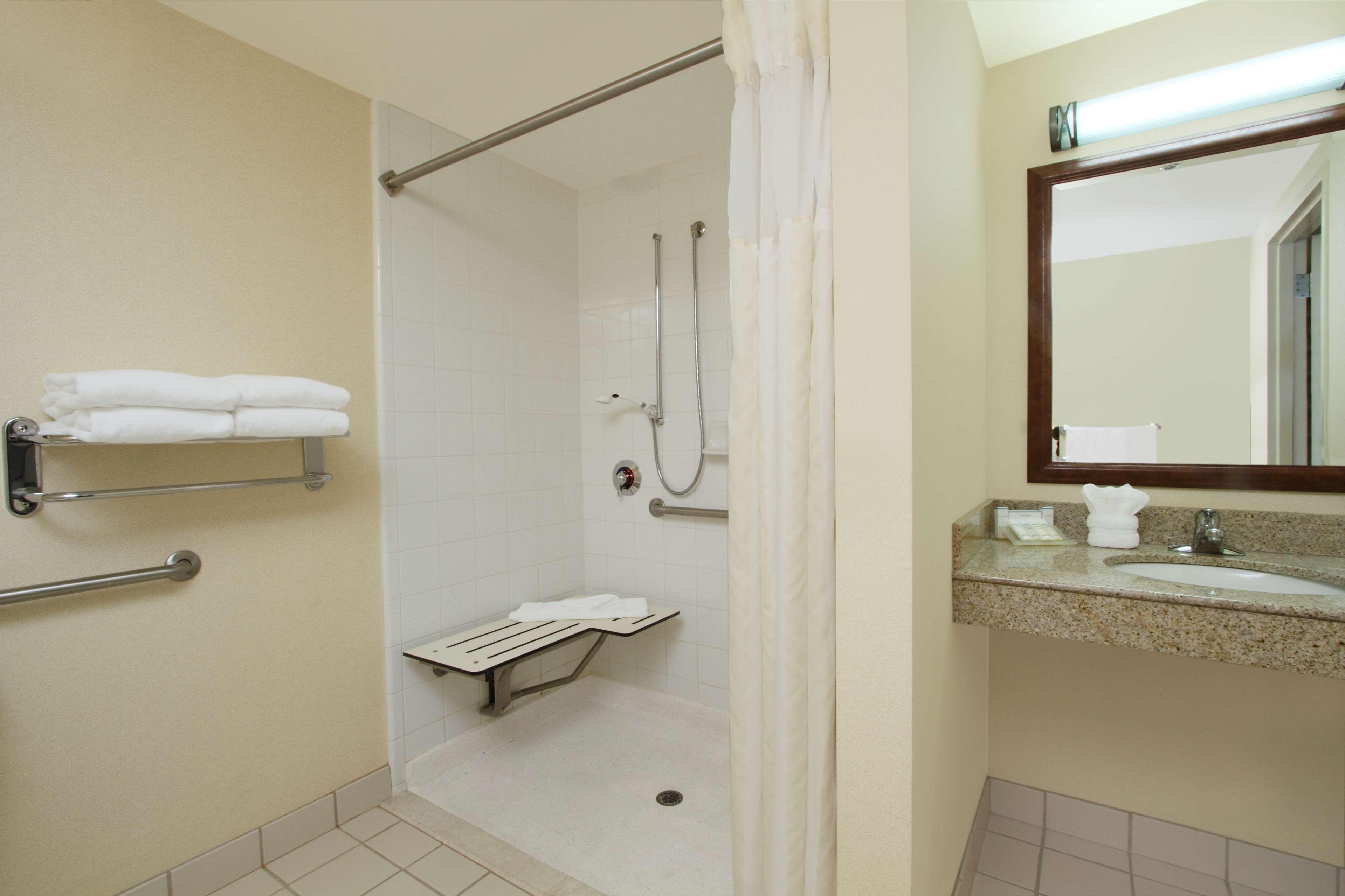 Hilton Garden Inn Columbus-University Area image 16