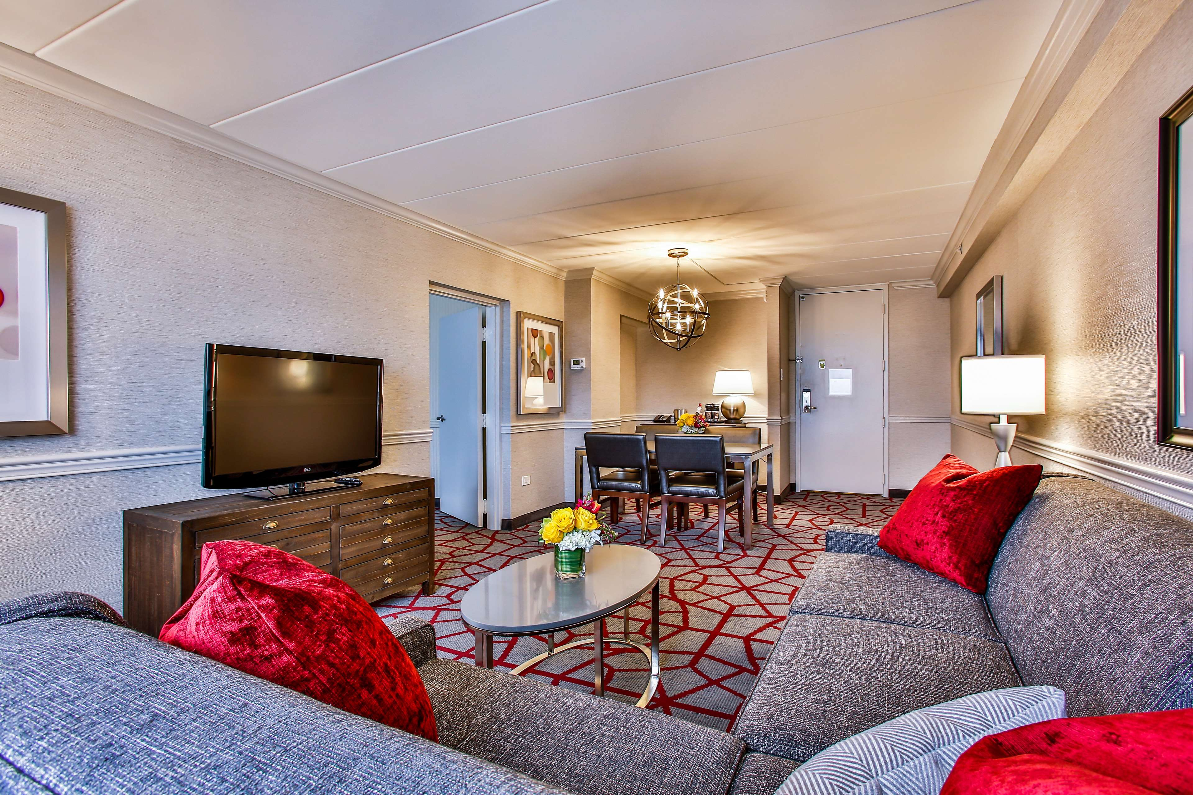 DoubleTree by Hilton Hotel Chicago - Alsip image 29