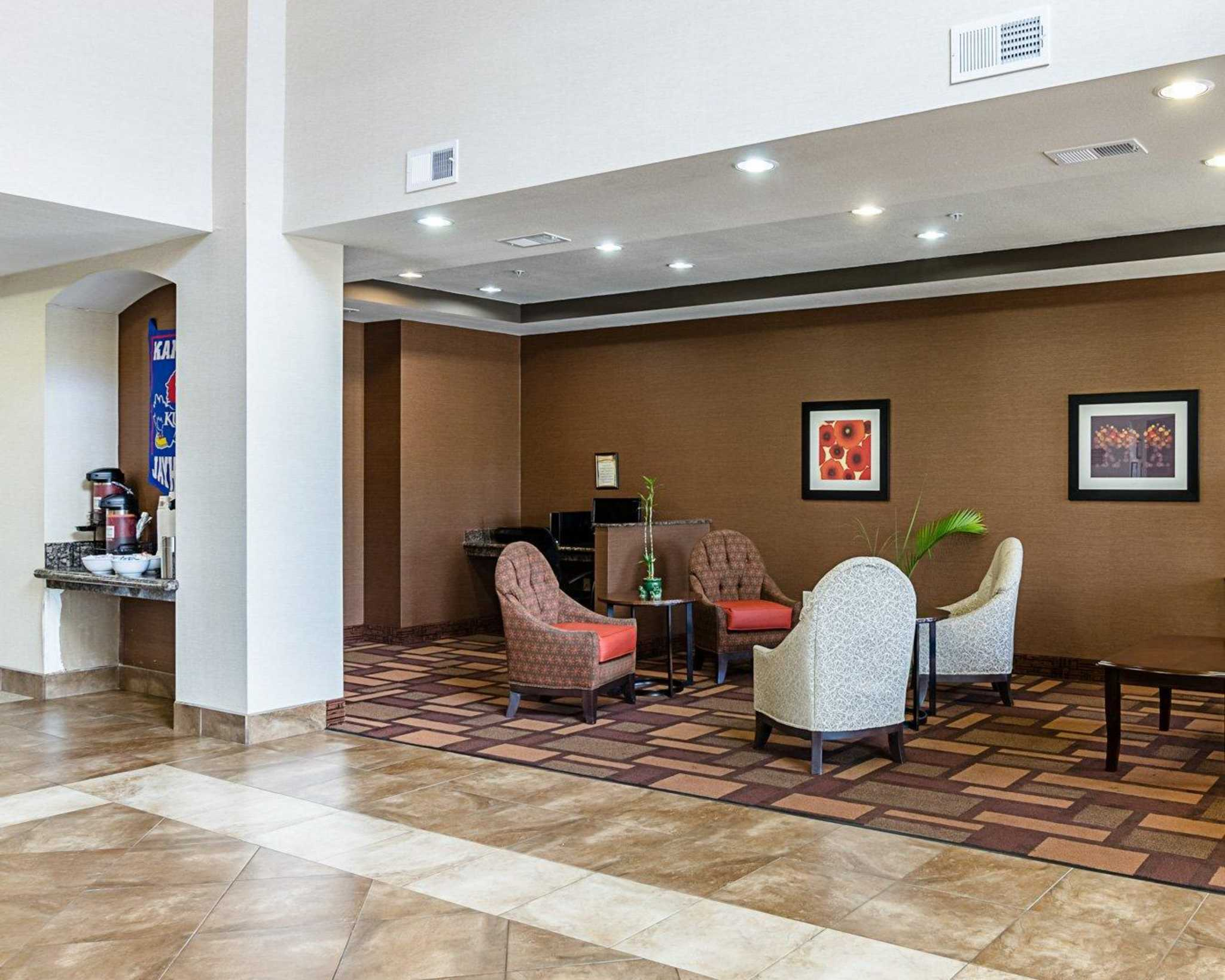 Comfort Inn & Suites Lawrence - University Area image 15
