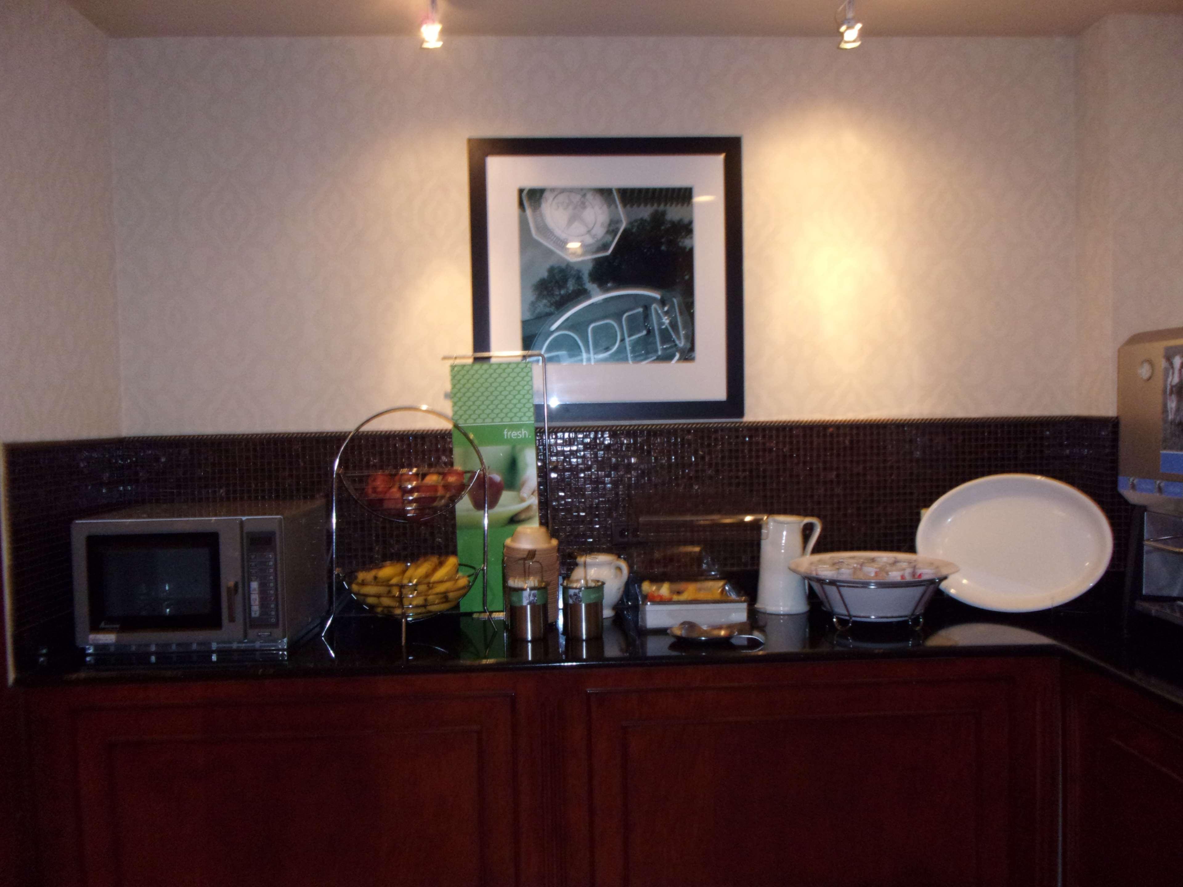 Hampton Inn & Suites Bolingbrook image 18
