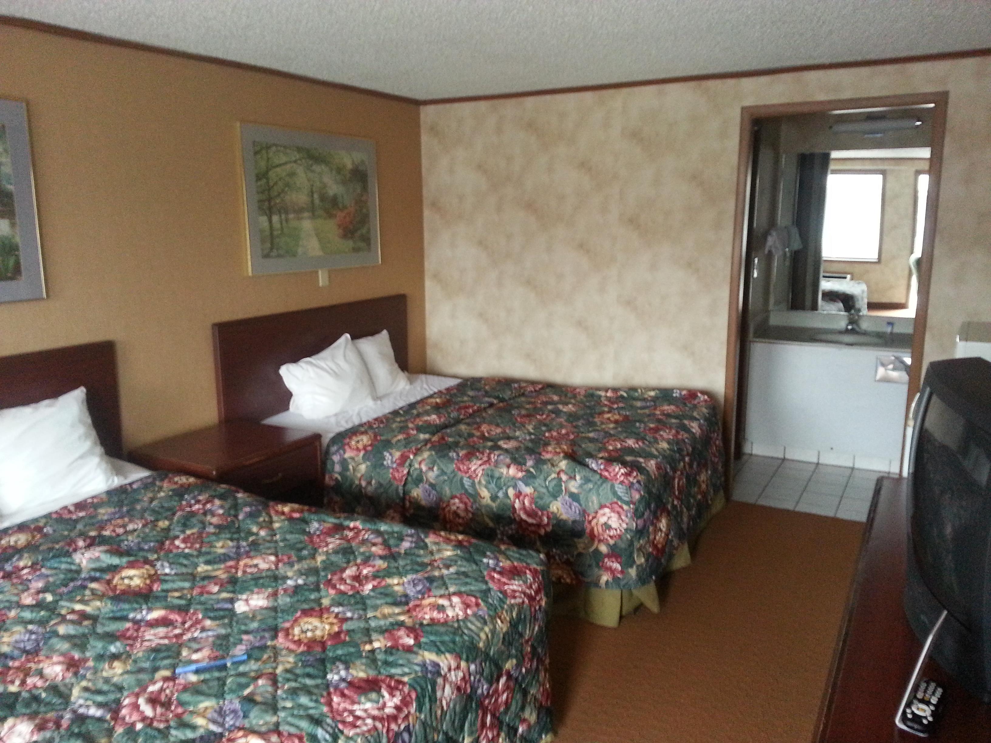 Americas Best Value Inn & Suites Monroe image 8