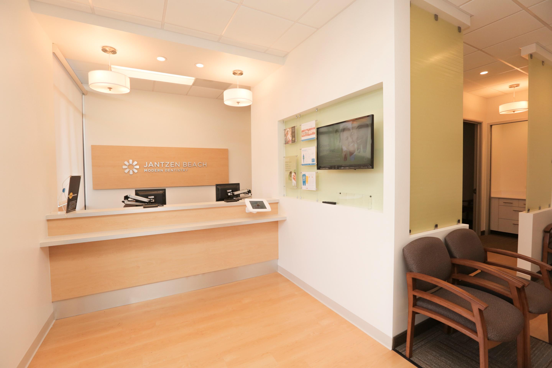 Jantzen Beach Modern Dentistry image 2