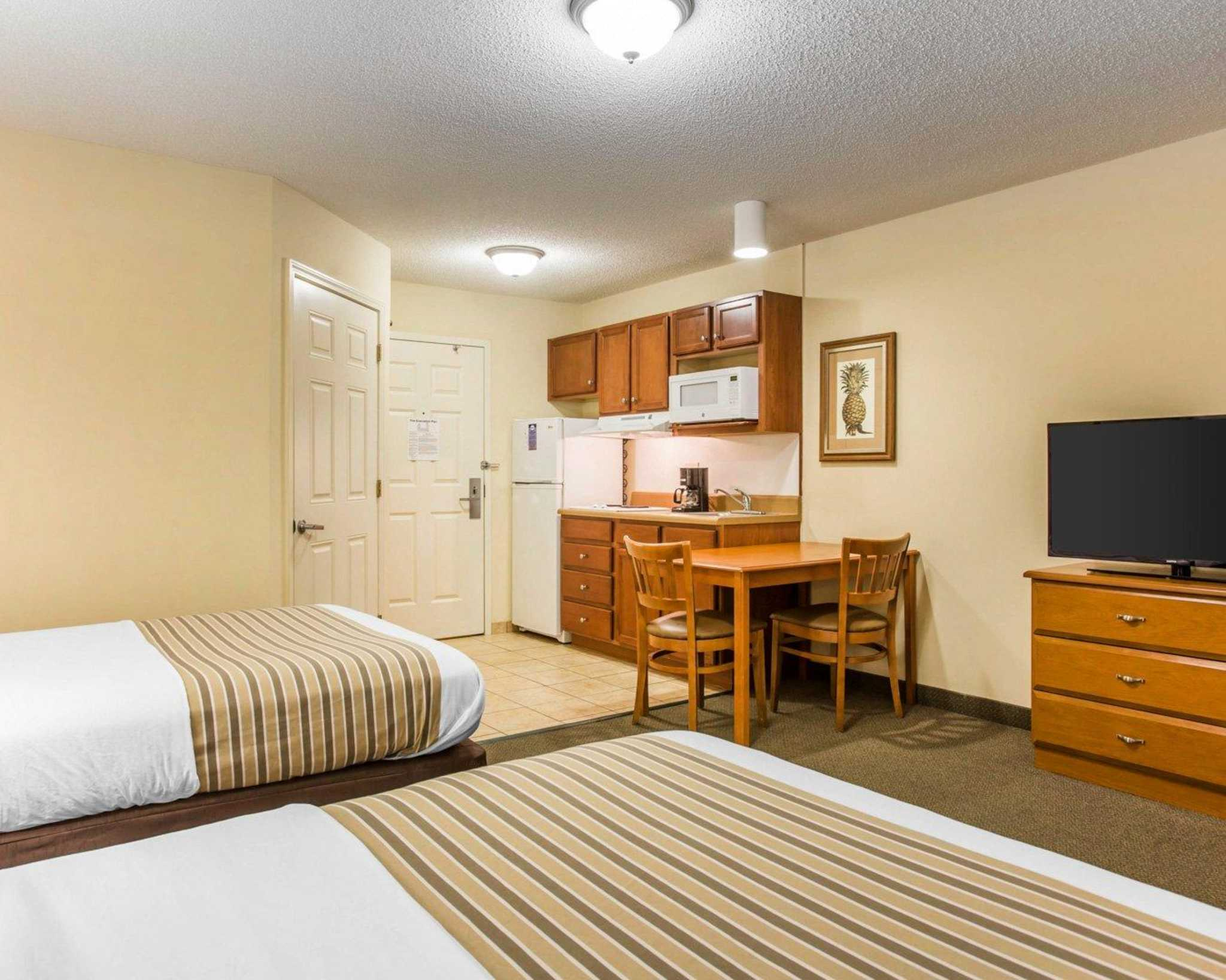 Suburban Extended Stay Airport image 5