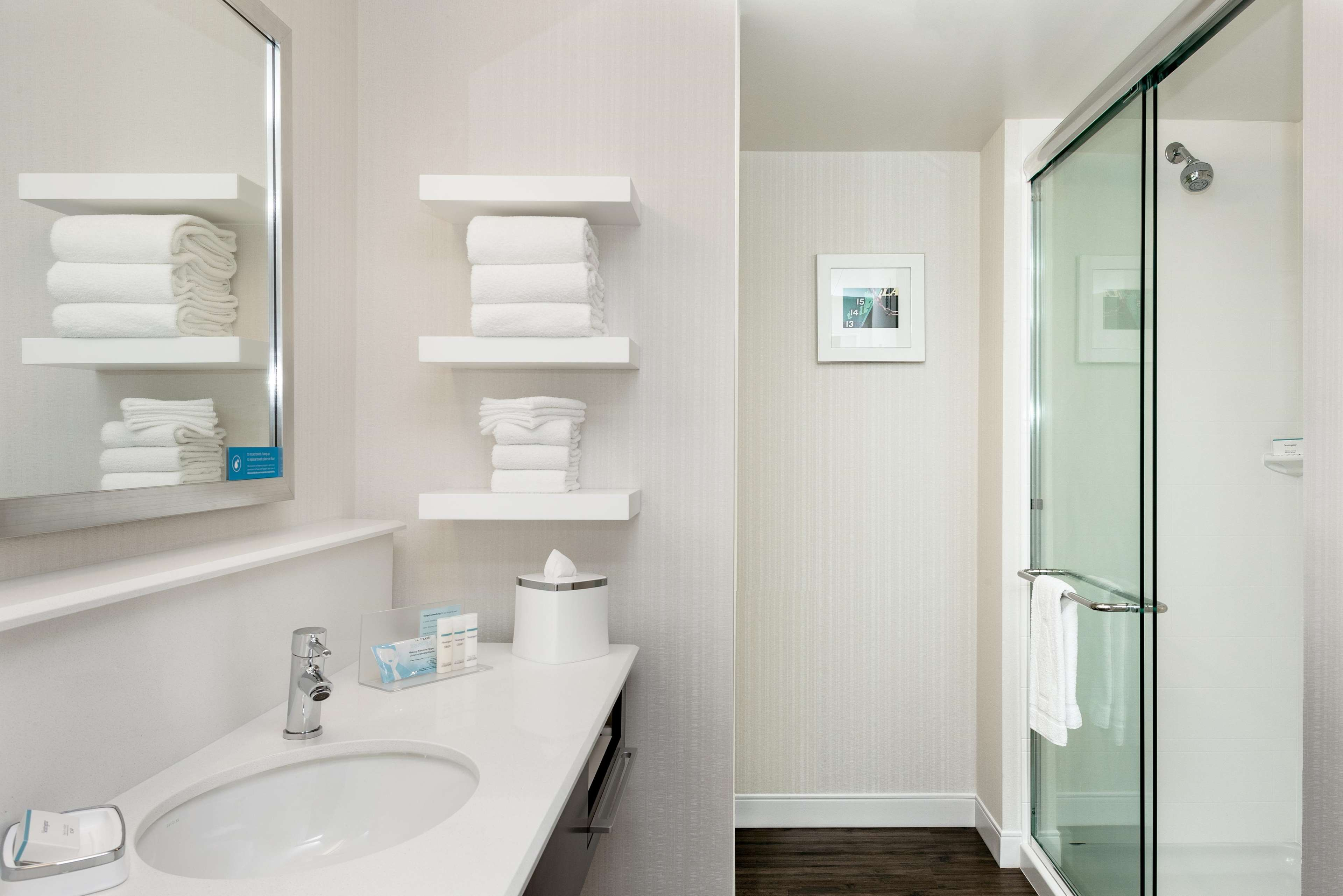 Hampton Inn & Suites by Hilton Seattle/Northgate image 19