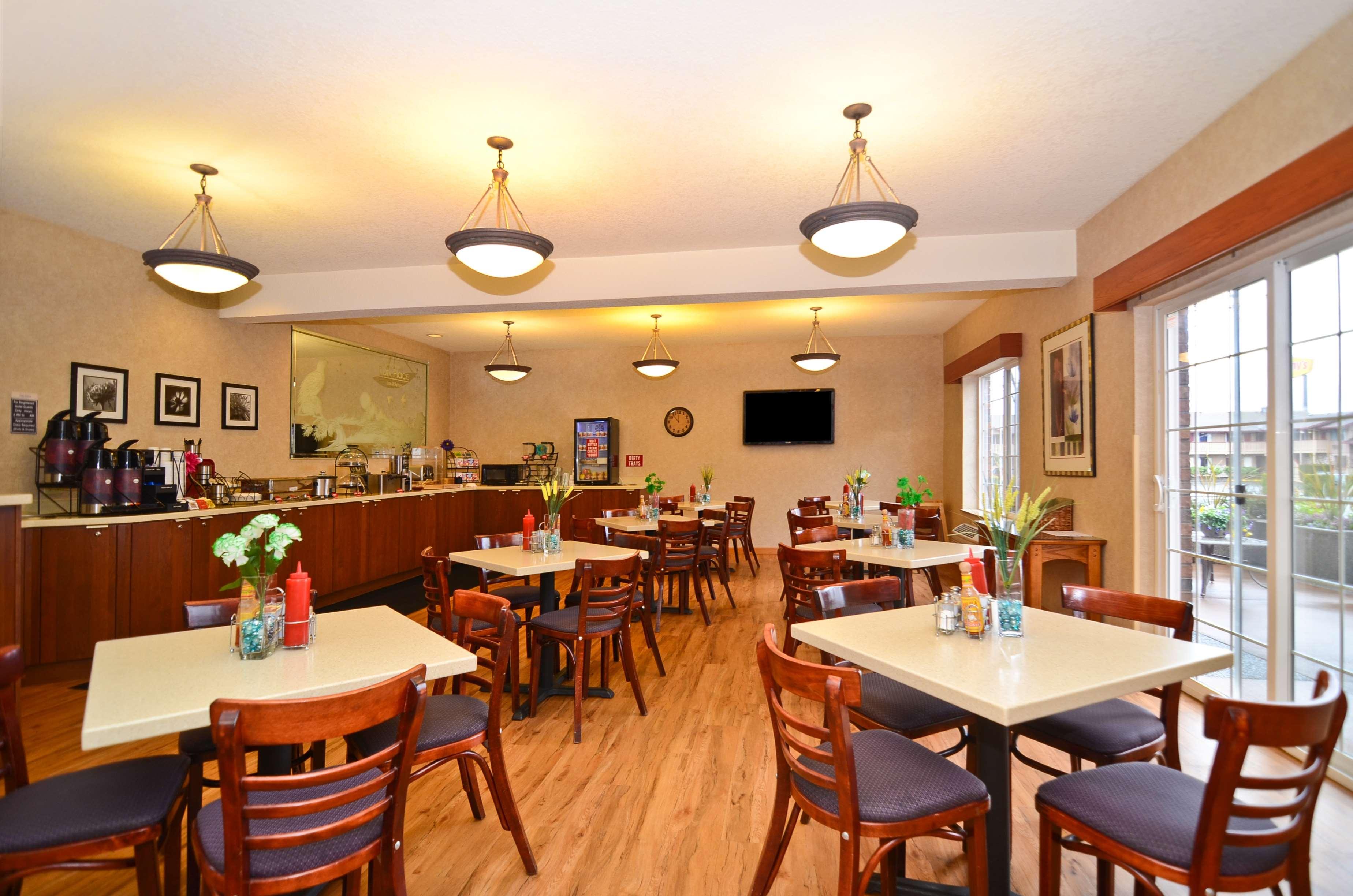 Best Western Plus Park Place Inn & Suites image 40