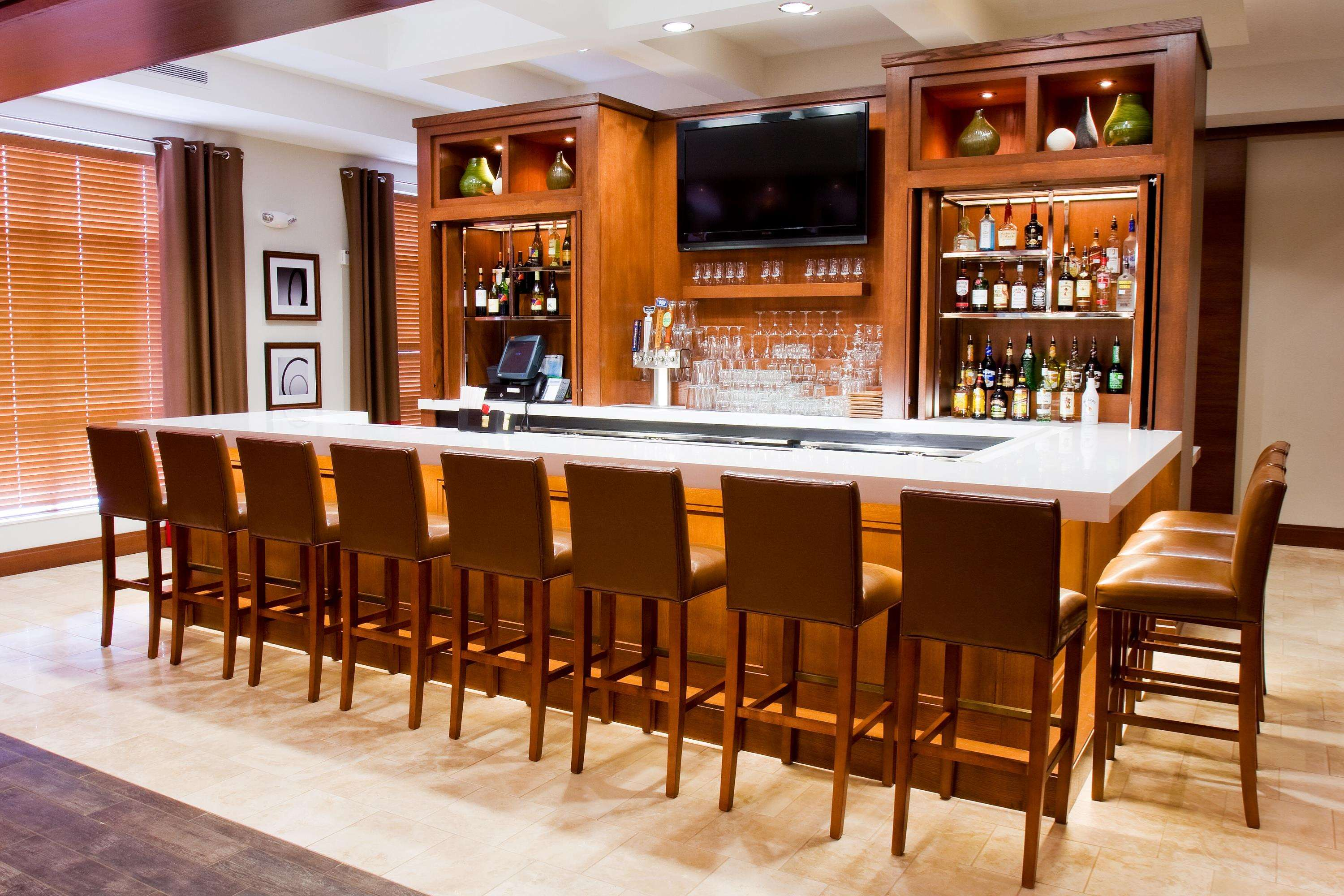 DoubleTree by Hilton Hotel Raleigh - Cary image 16