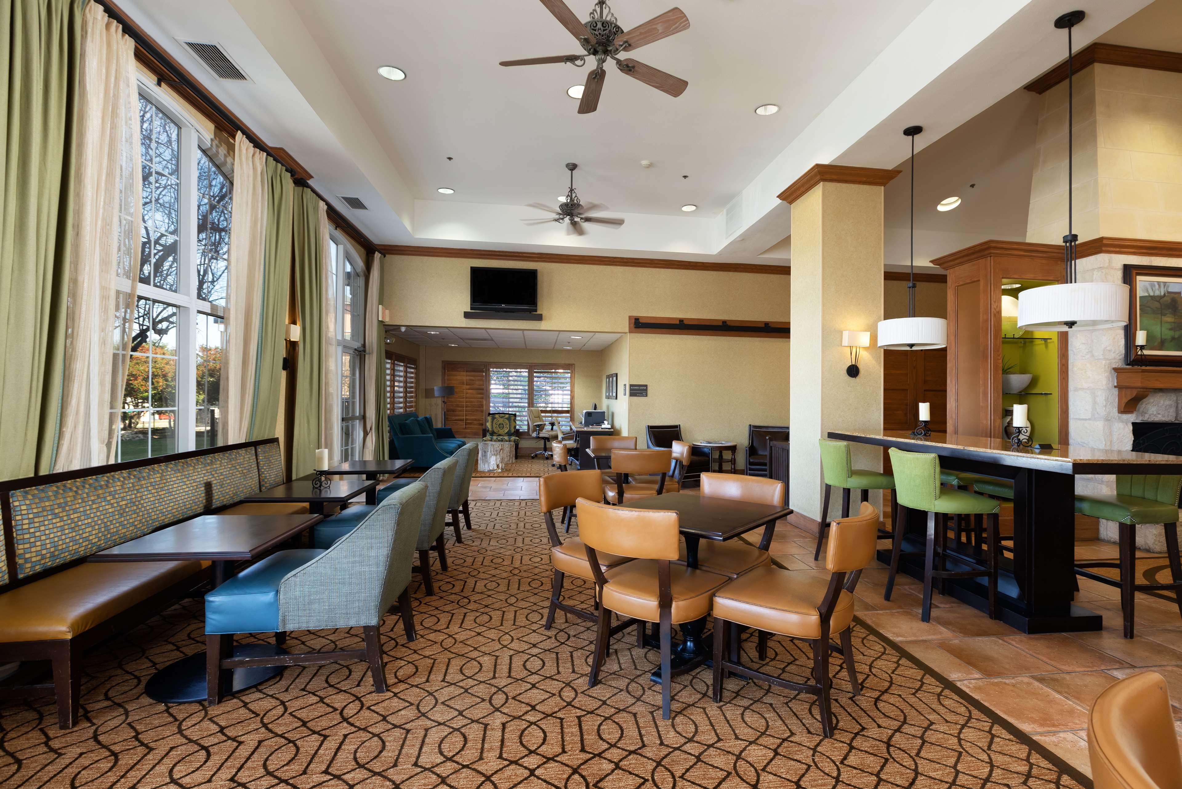 Hampton Inn & Suites Austin-Airport image 12