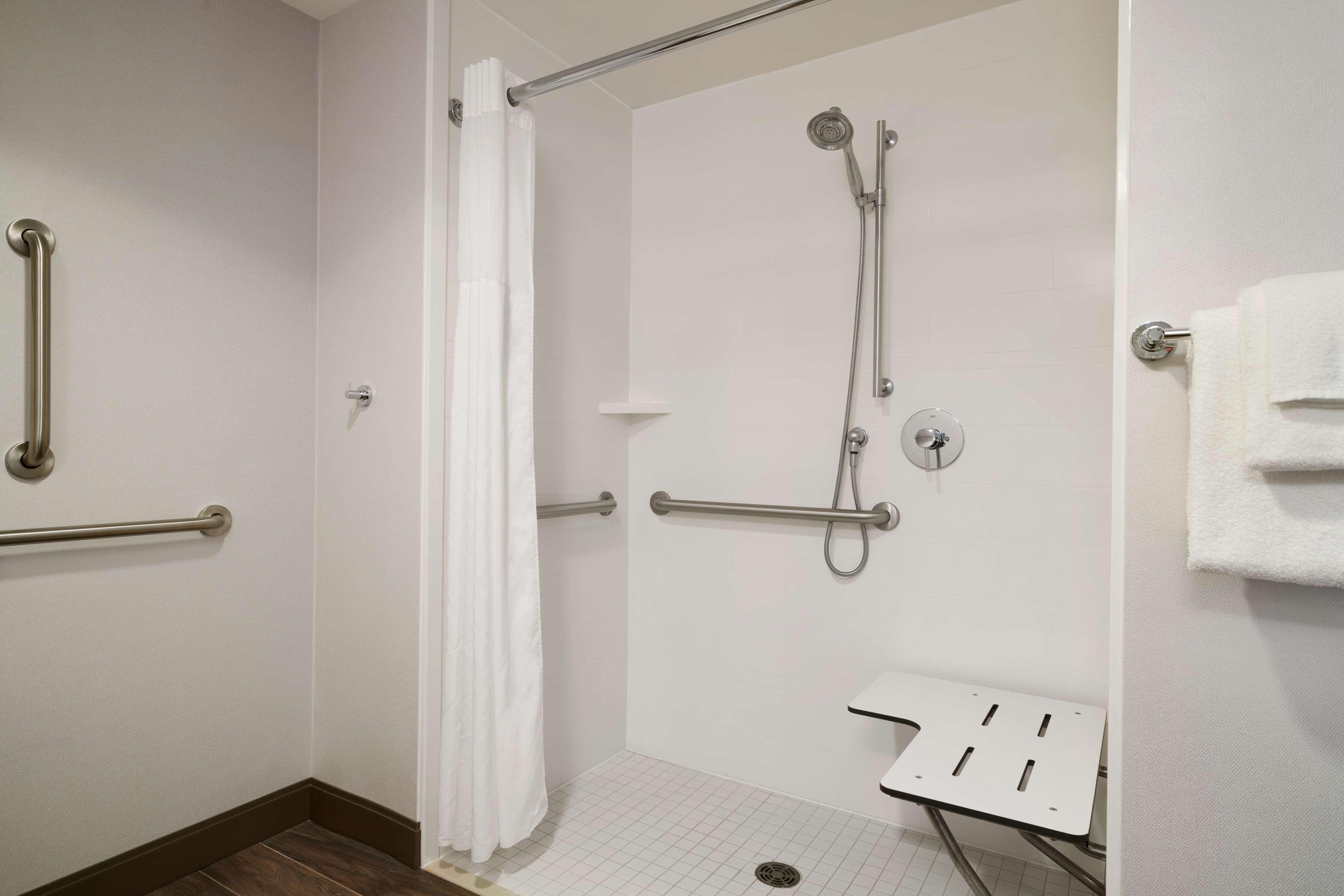 Hampton Inn & Suites Ephrata - Mountain Springs image 16