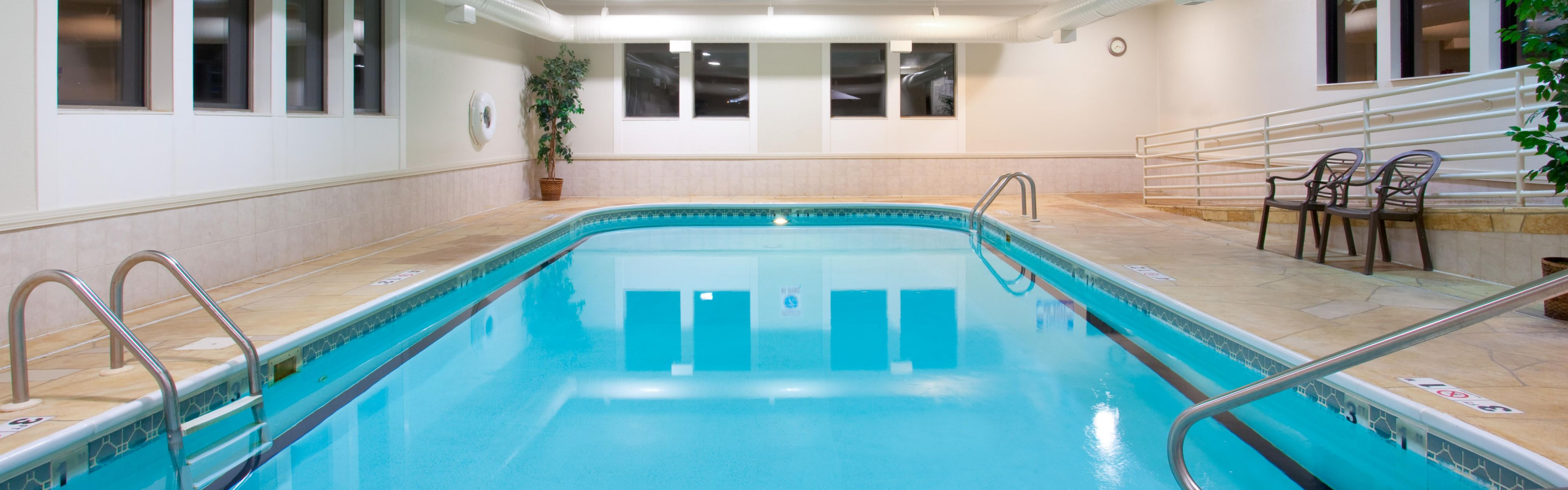 Holiday Inn Express & Suites Bourbonnais (Kankakee/Bradley) image 2