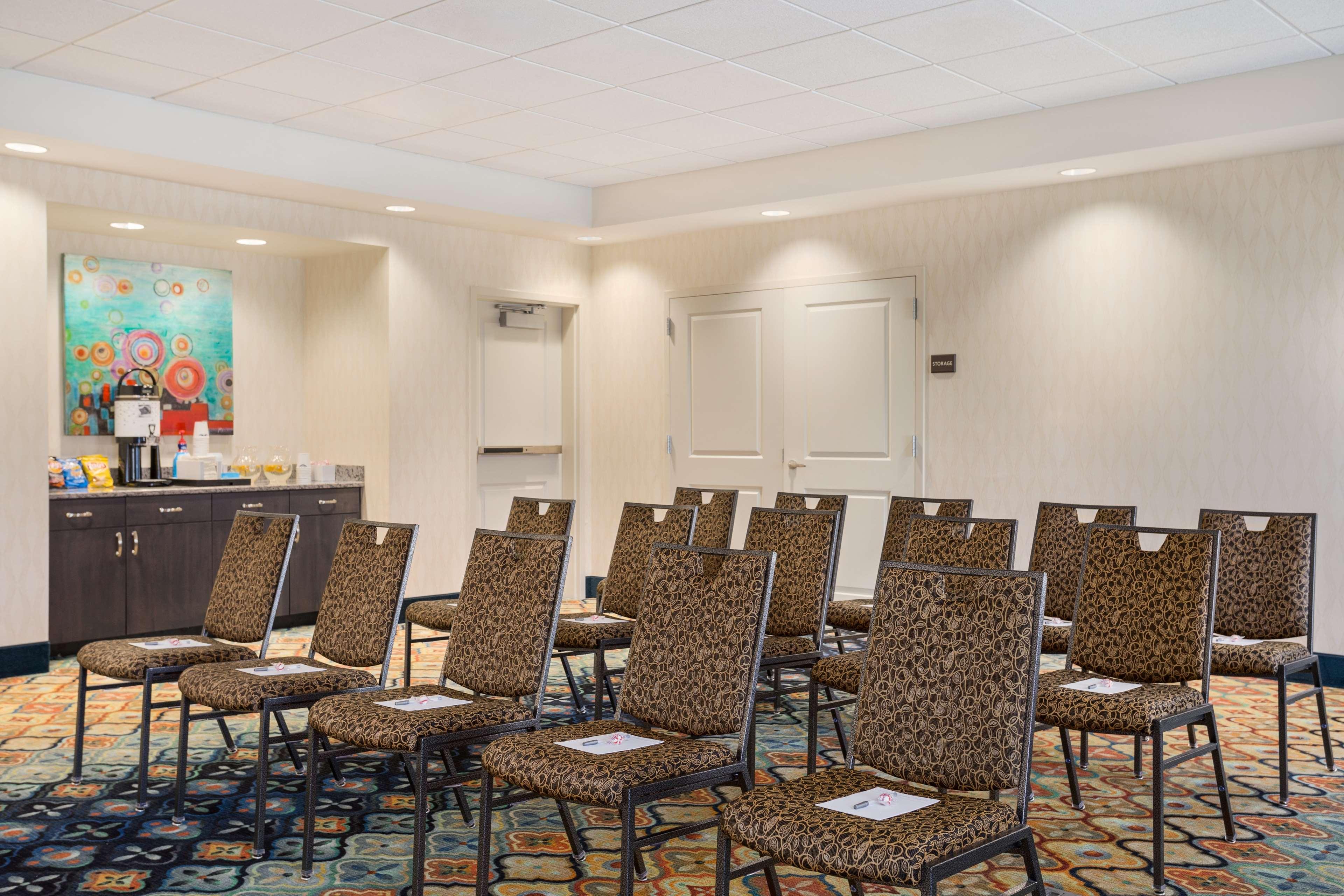 Hampton Inn & Suites West Des Moines/SW Mall Area image 24