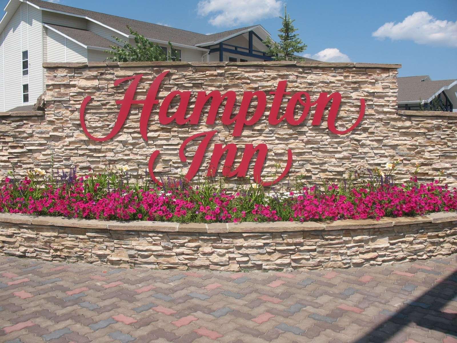 Hampton Inn Butte image 1