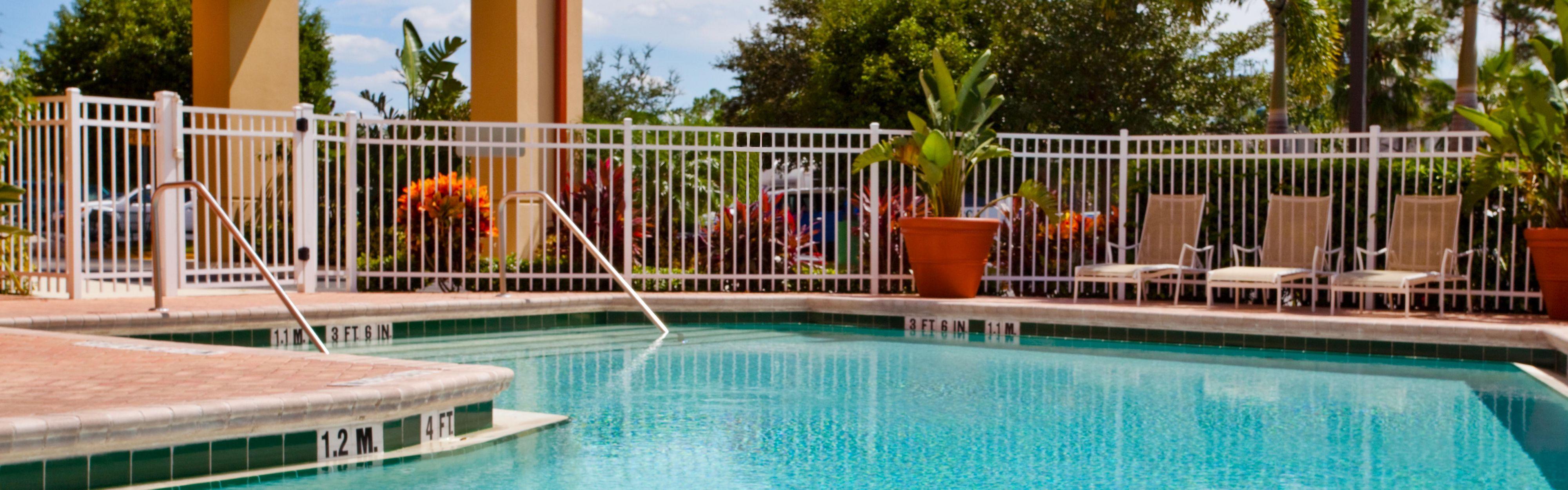 Holiday Inn Express & Suites Nearest Universal Orlando image 2