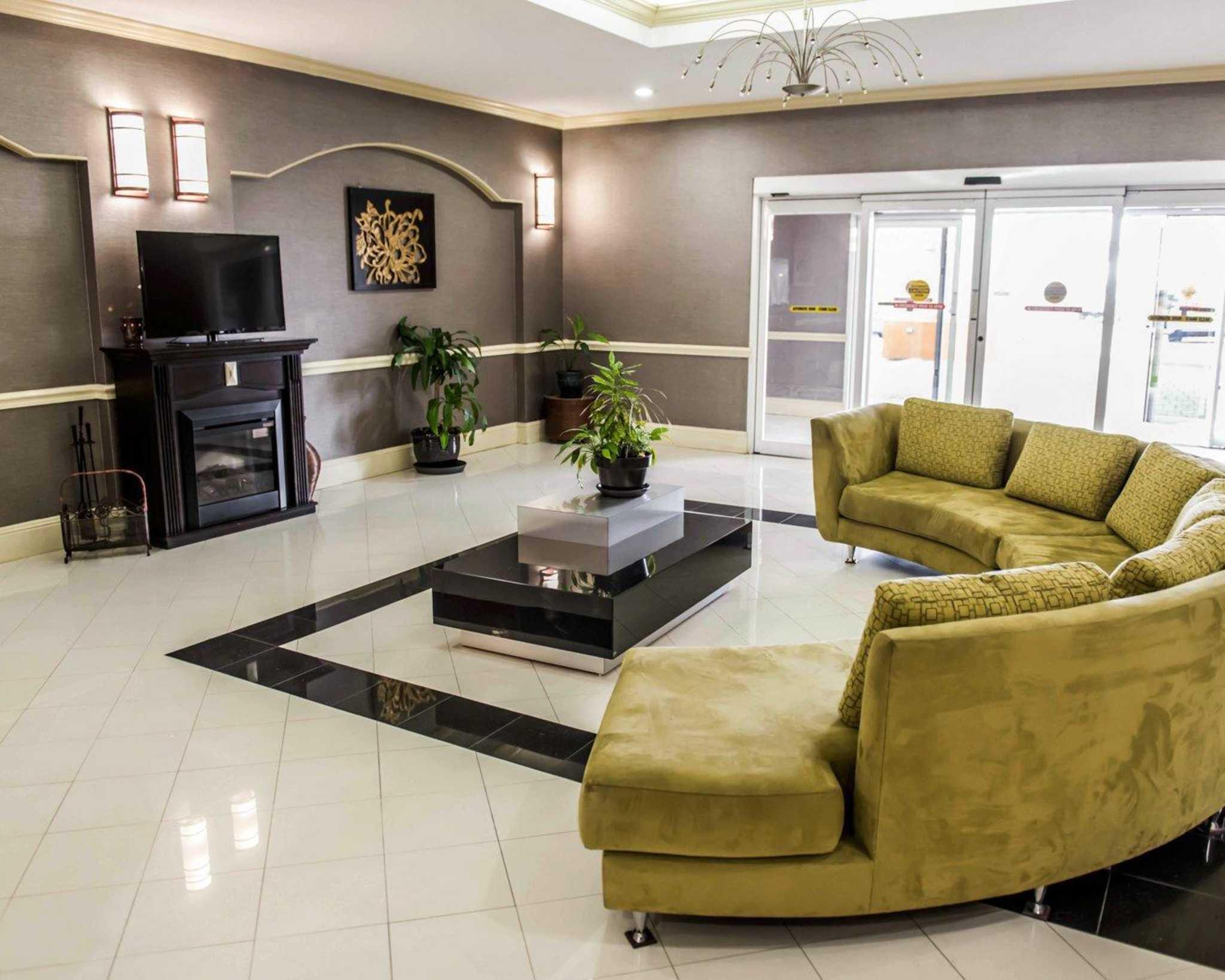 Comfort Inn & Suites Marianna I-10 image 22