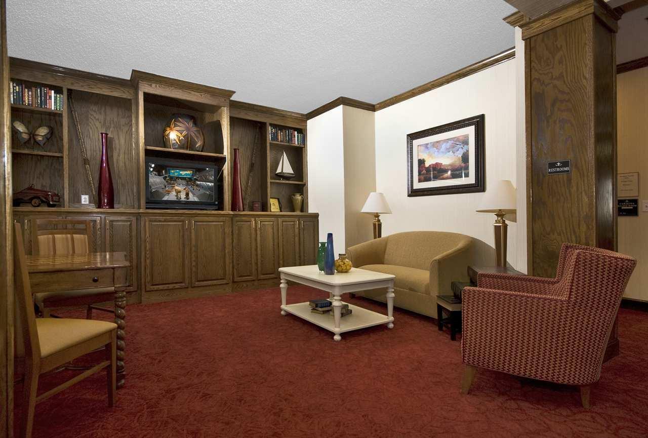 Hampton Inn & Suites Raleigh/Cary I-40 (PNC Arena) image 6