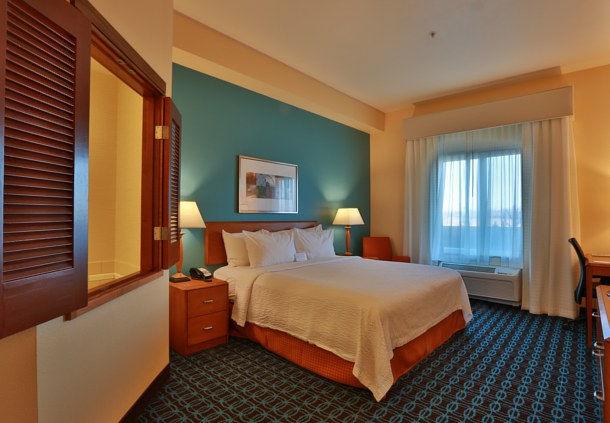 Fairfield Inn & Suites by Marriott Burlington image 2
