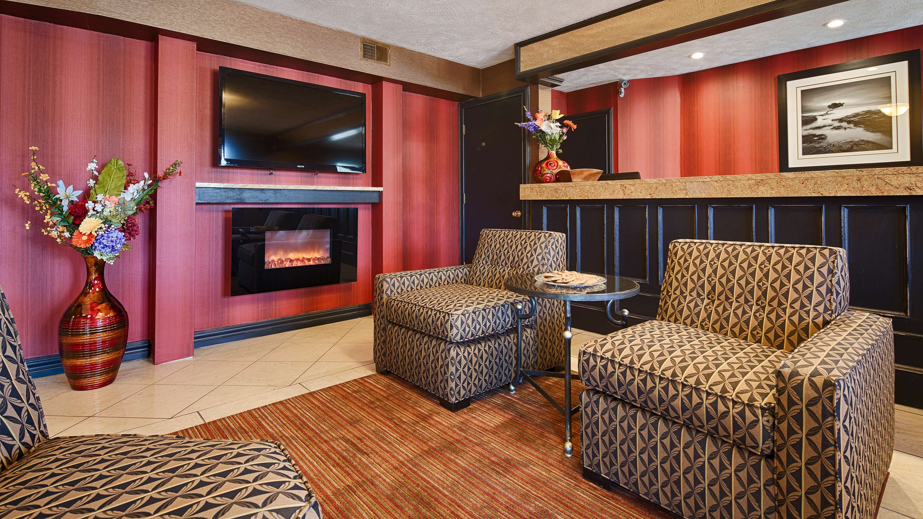 SureStay Plus Hotel by Best Western Omaha South image 2