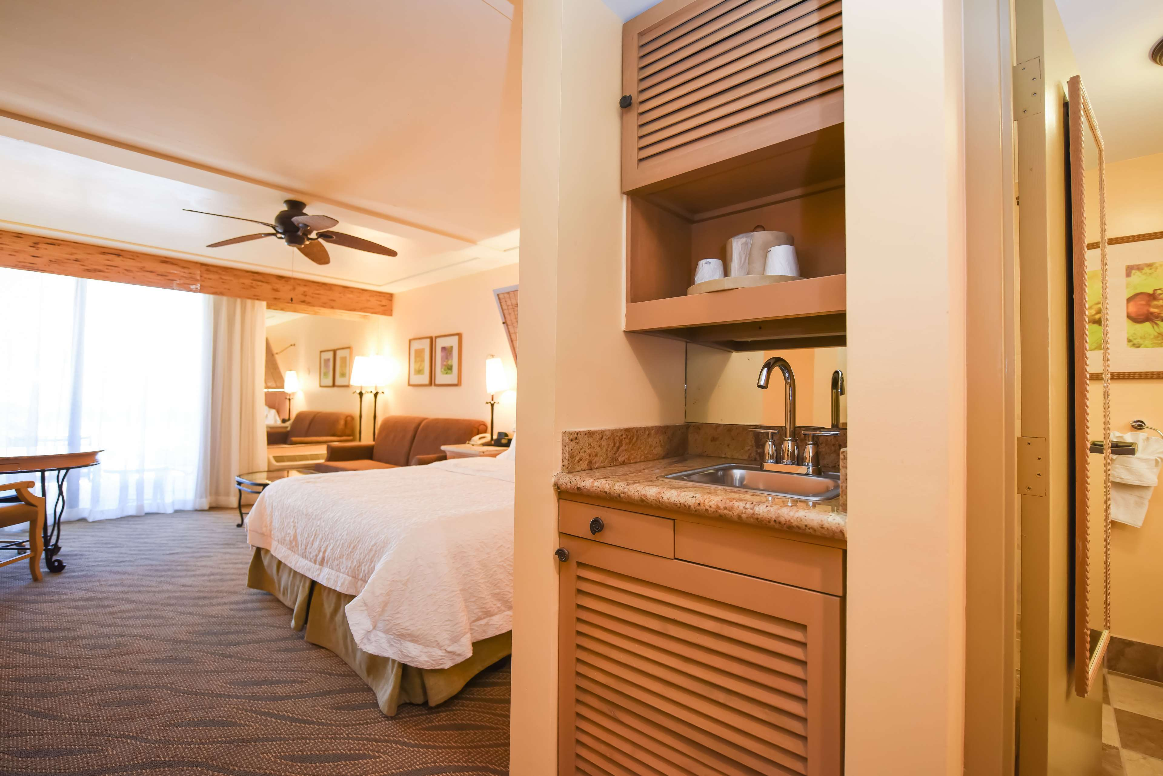 Hampton Inn Key Largo, FL image 28