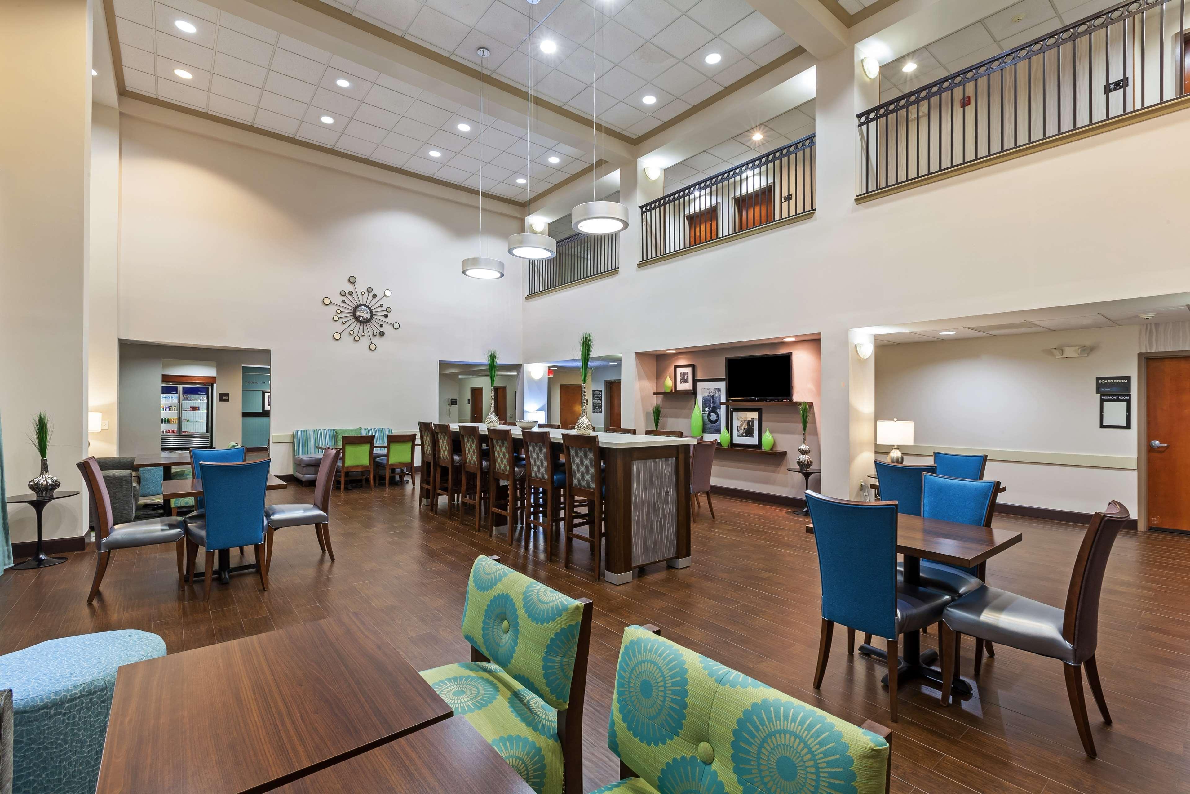 Hampton Inn & Suites Houston-Westchase image 10