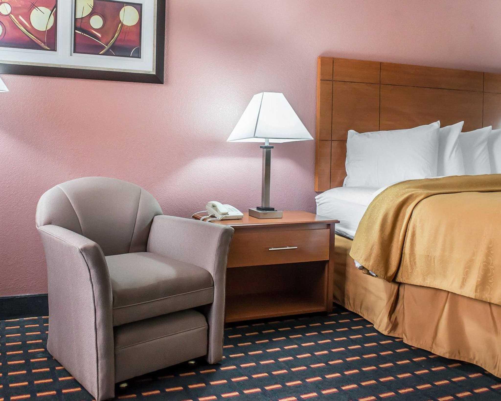 Quality Inn image 20
