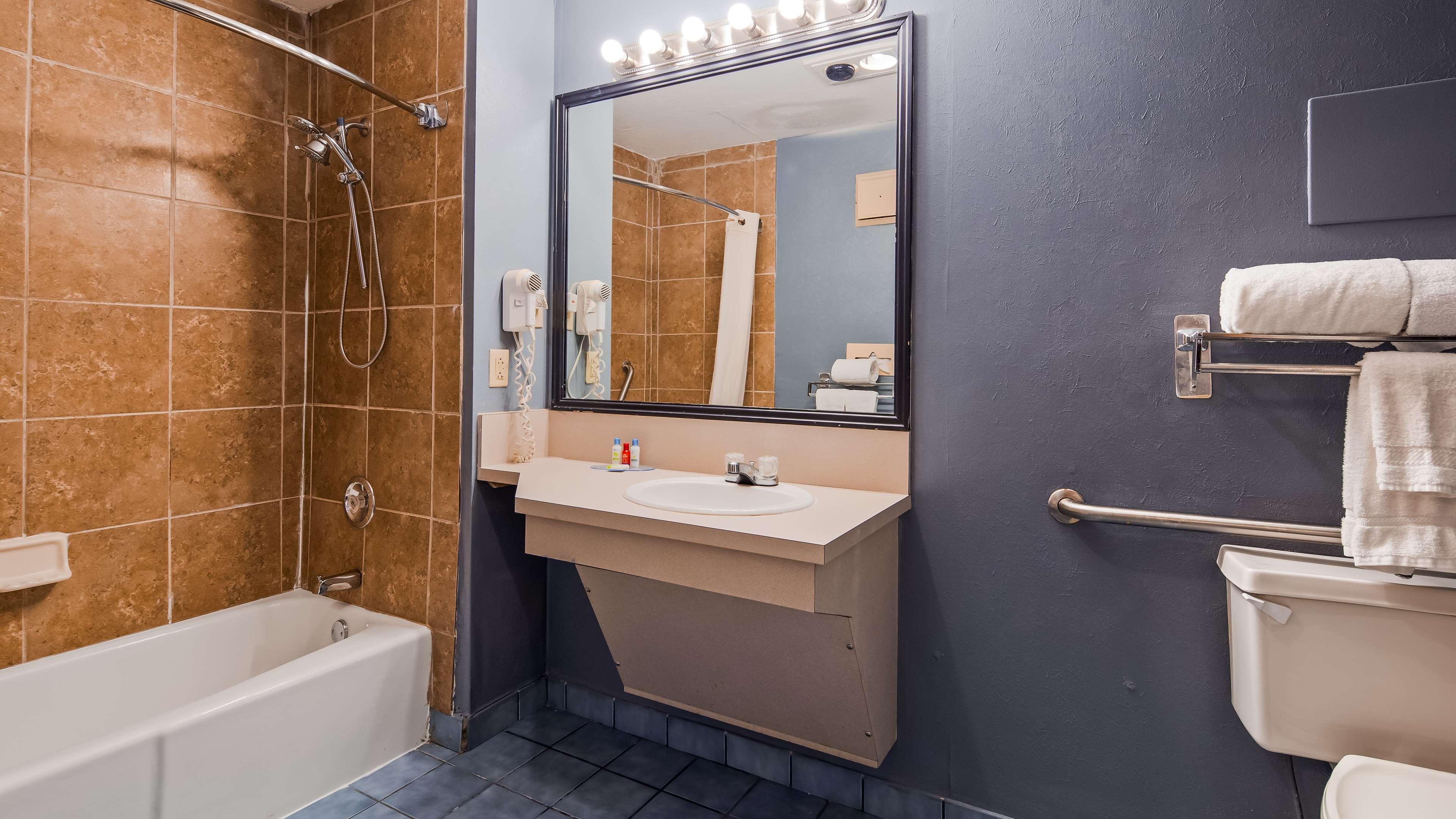 SureStay Plus Hotel by Best Western Fayetteville image 19