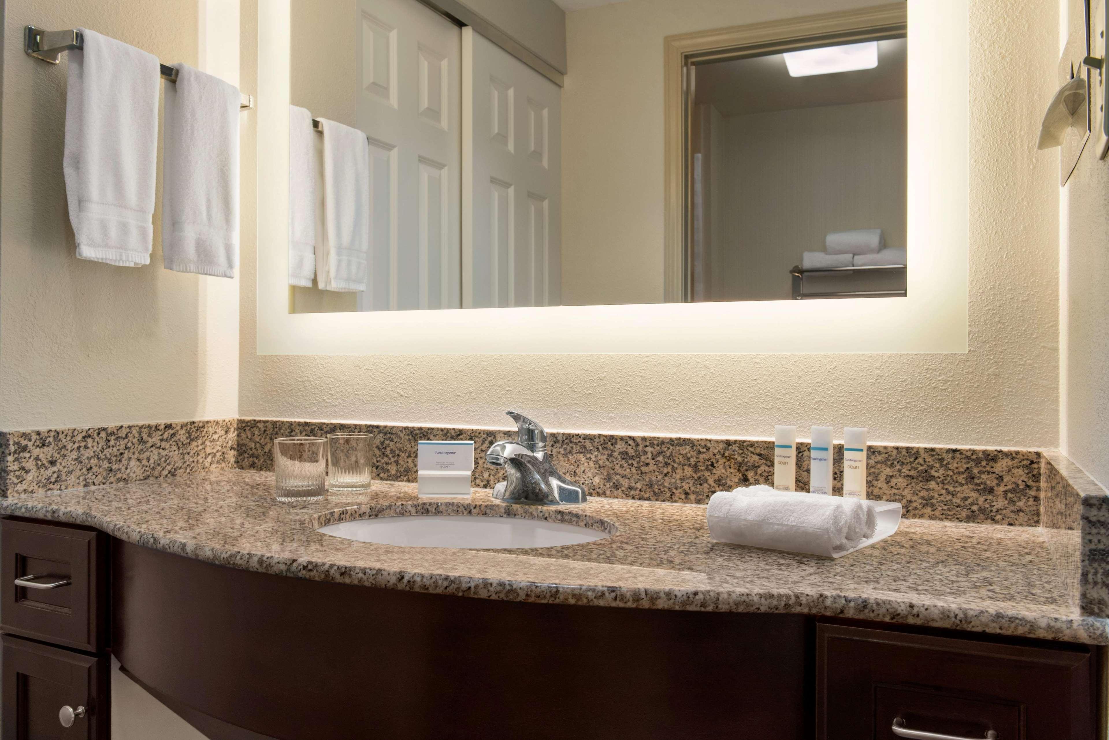 Homewood Suites by Hilton Charleston - Mt. Pleasant image 19
