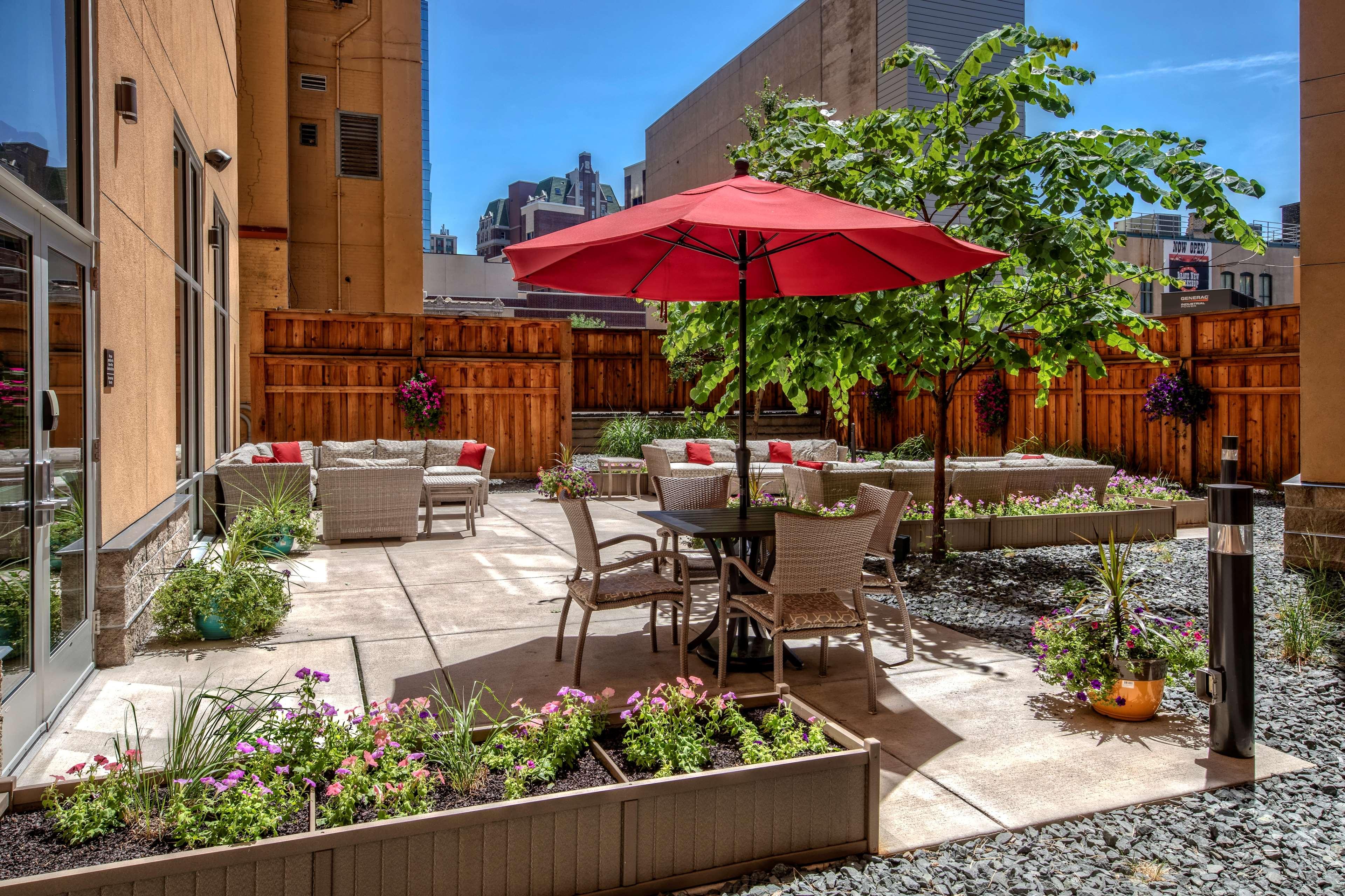 Hampton Inn & Suites Minneapolis/Downtown