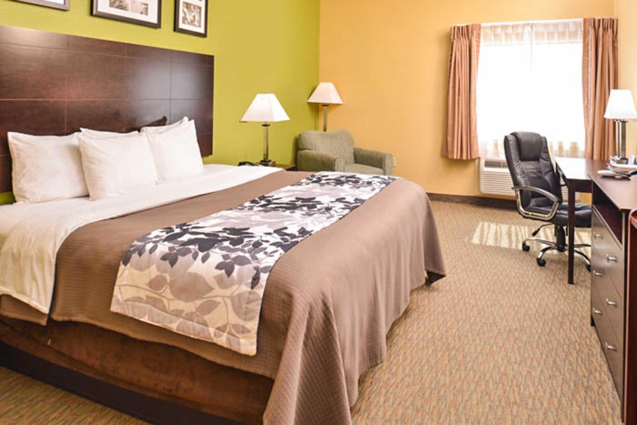 Sleep Inn & Suites Near Downtown North image 0