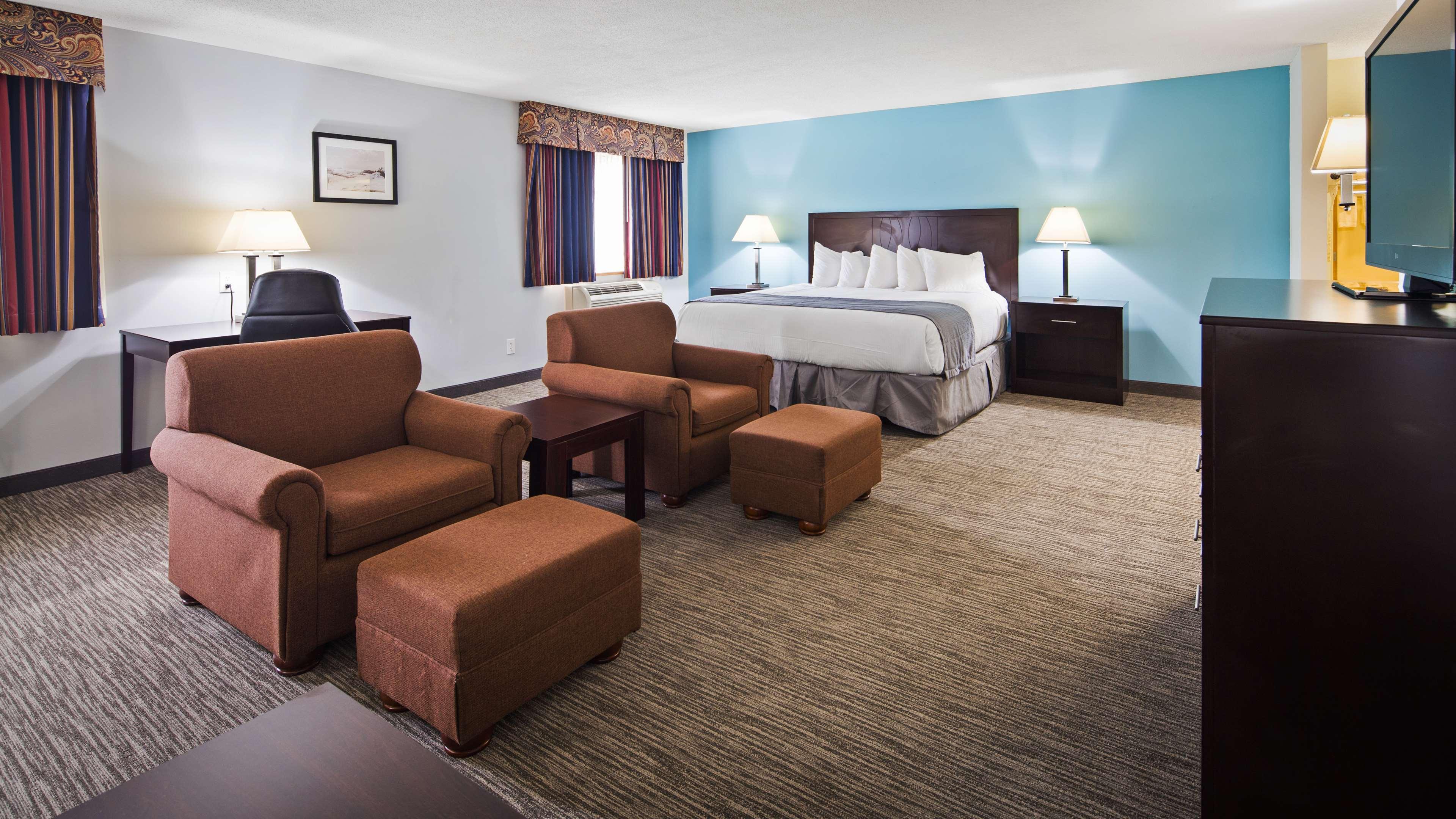 Best Western New Baltimore Inn image 24