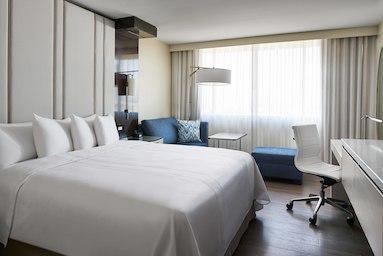 Irvine Marriott image 4