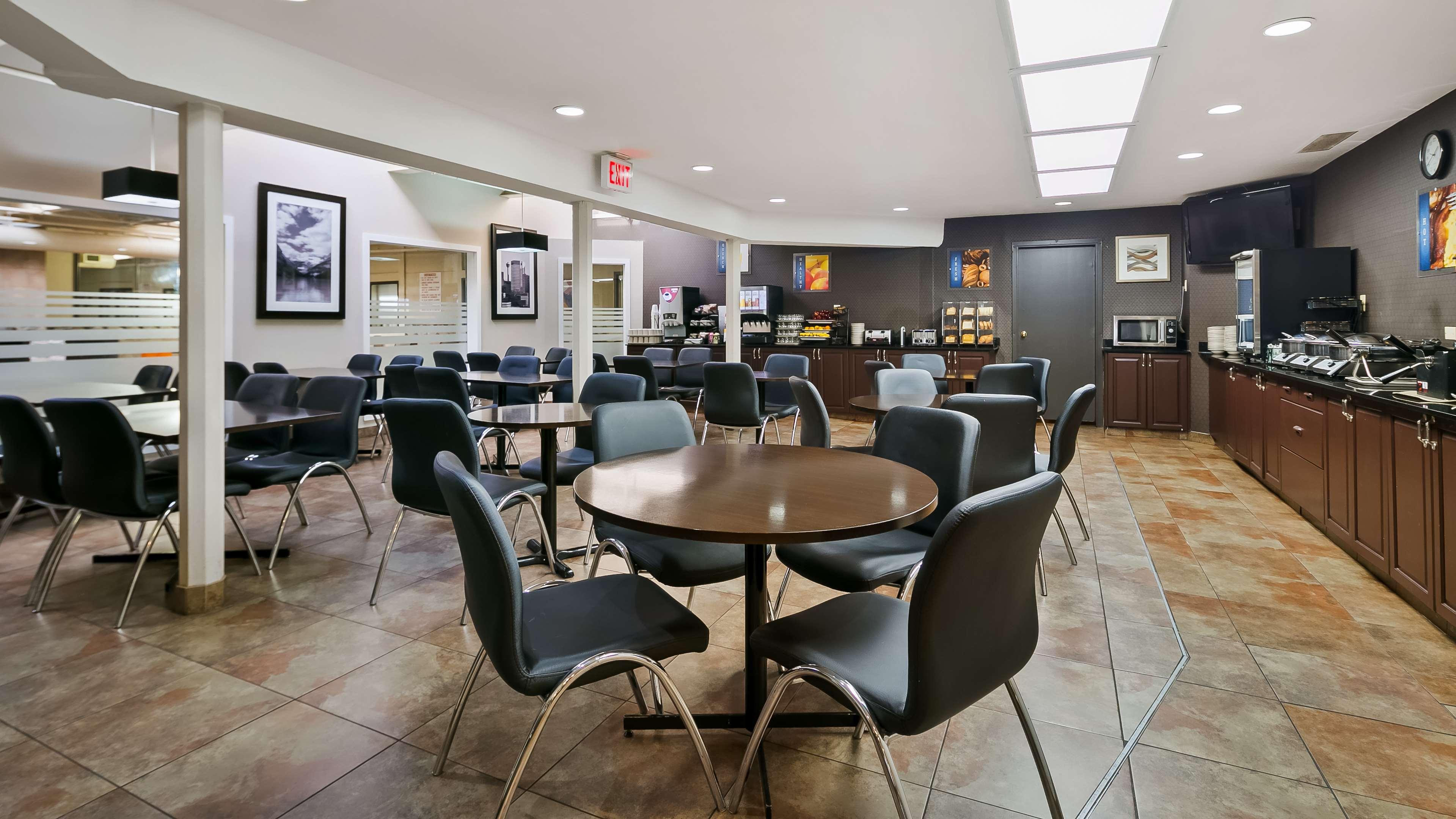 Best Western Airport Inn in Calgary: Breakfast Area