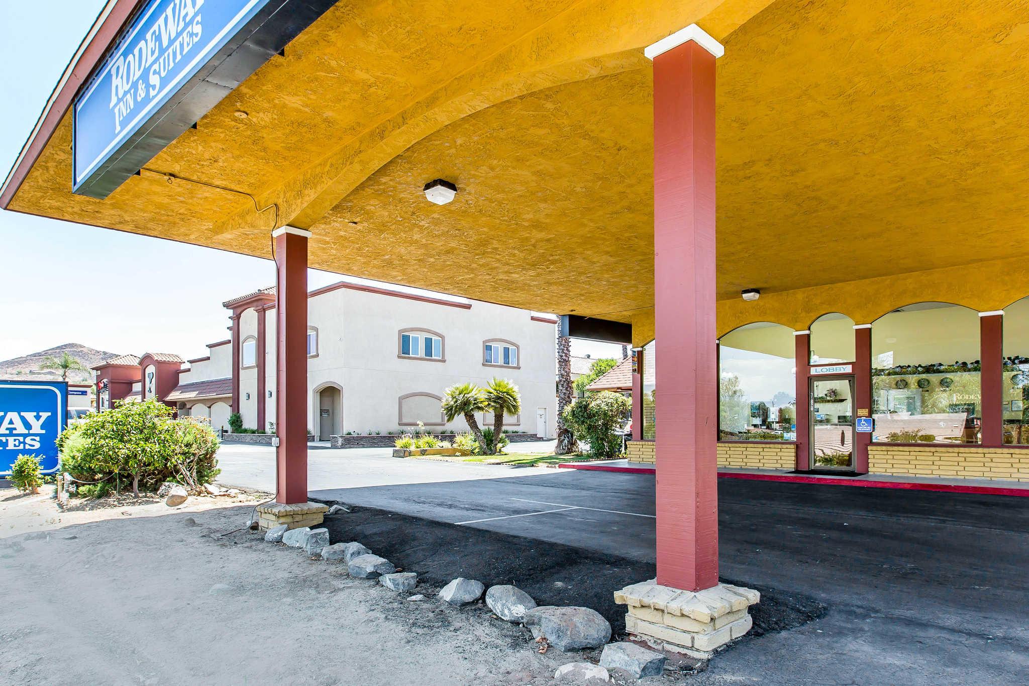 Rodeway Inn & Suites image 2