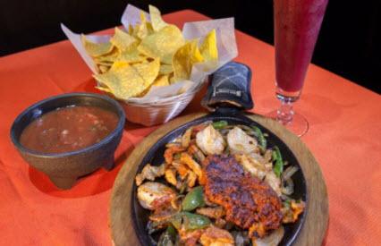 La Parrilla Fresh Mexican Bar & Grill image 0