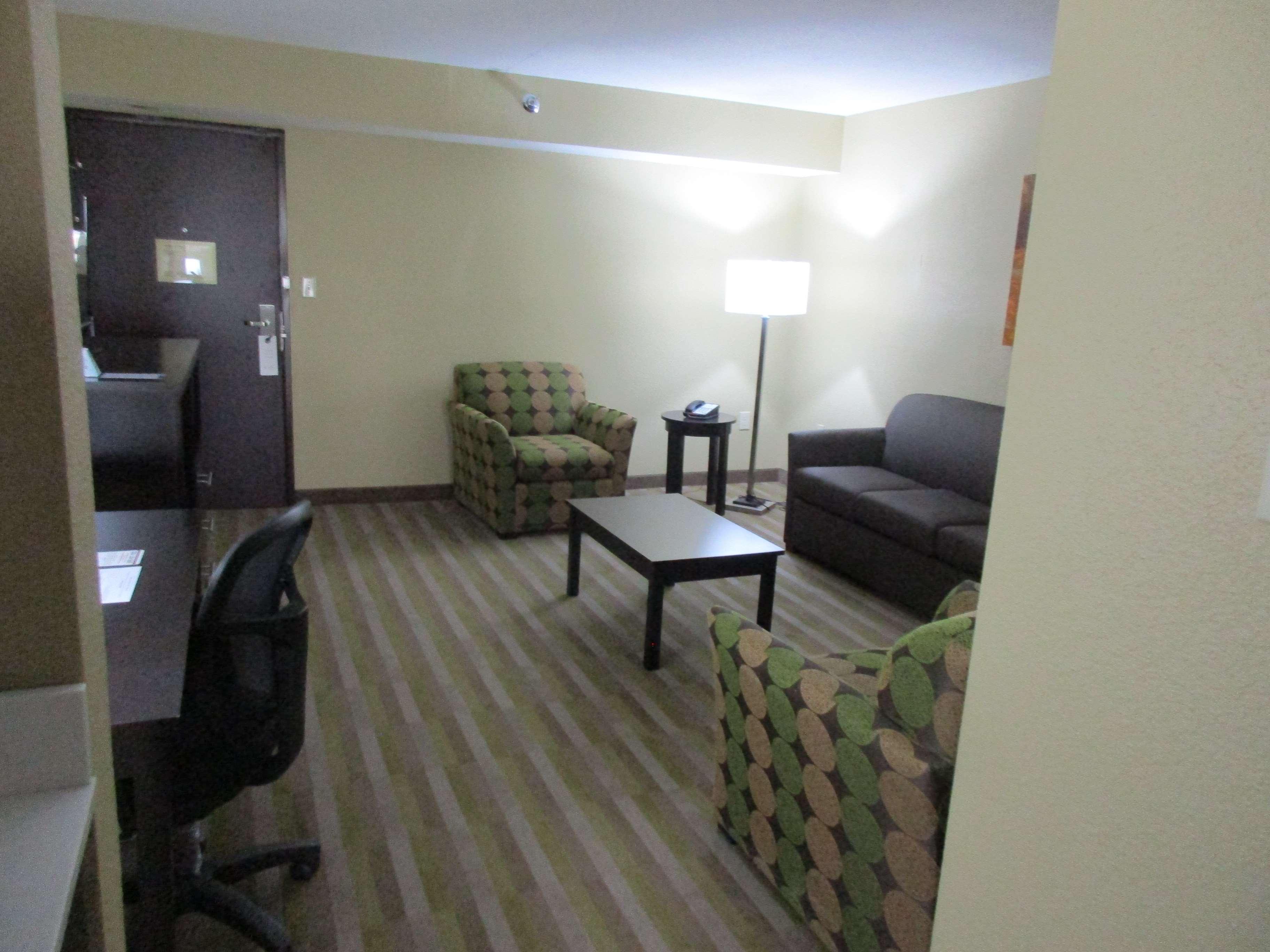Best Western Plus Jonesboro Inn & Suites image 16