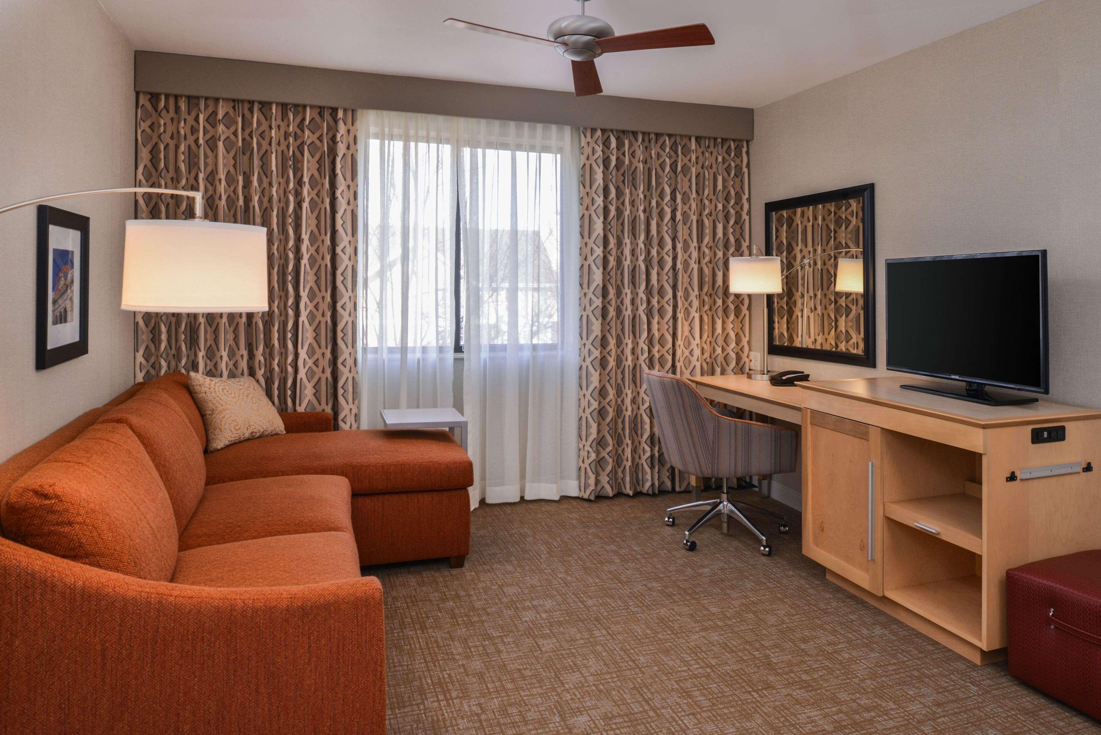 Hampton Inn & Suites Denver-Speer Boulevard image 32
