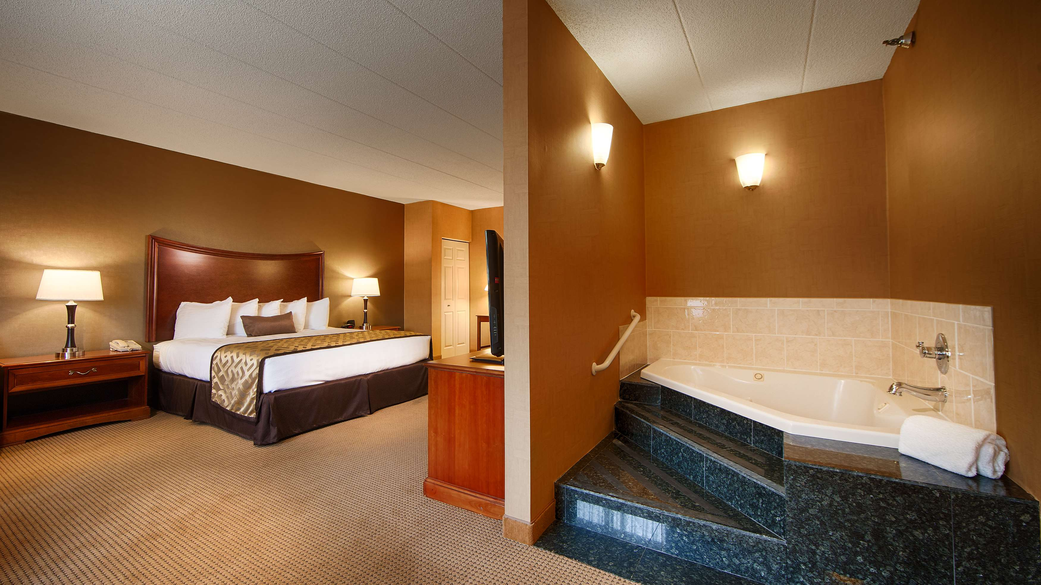 Best Western Plus North Haven Hotel image 23