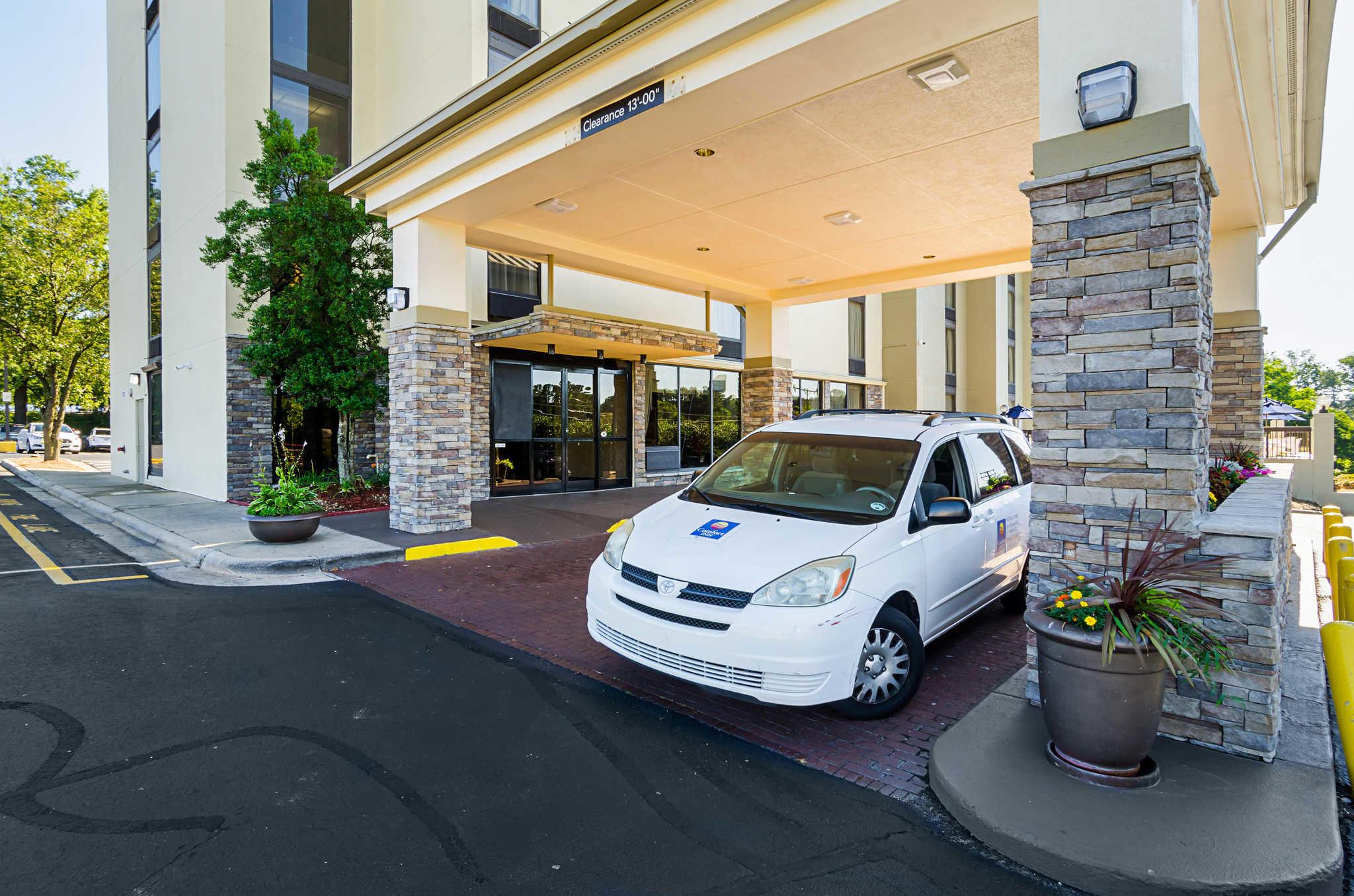 Comfort Inn & Suites Duke University-Downtown image 36