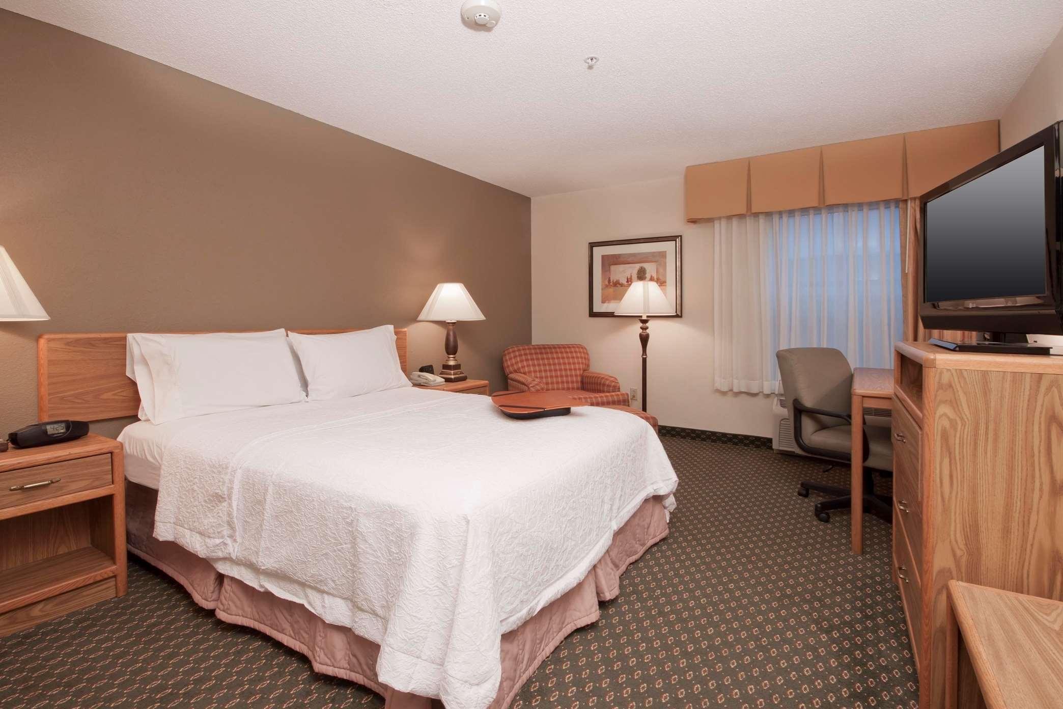 Johnson City NY guest Room