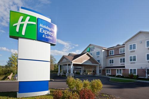 Holiday Inn Express & Suites Tilton - Lakes Region image 0