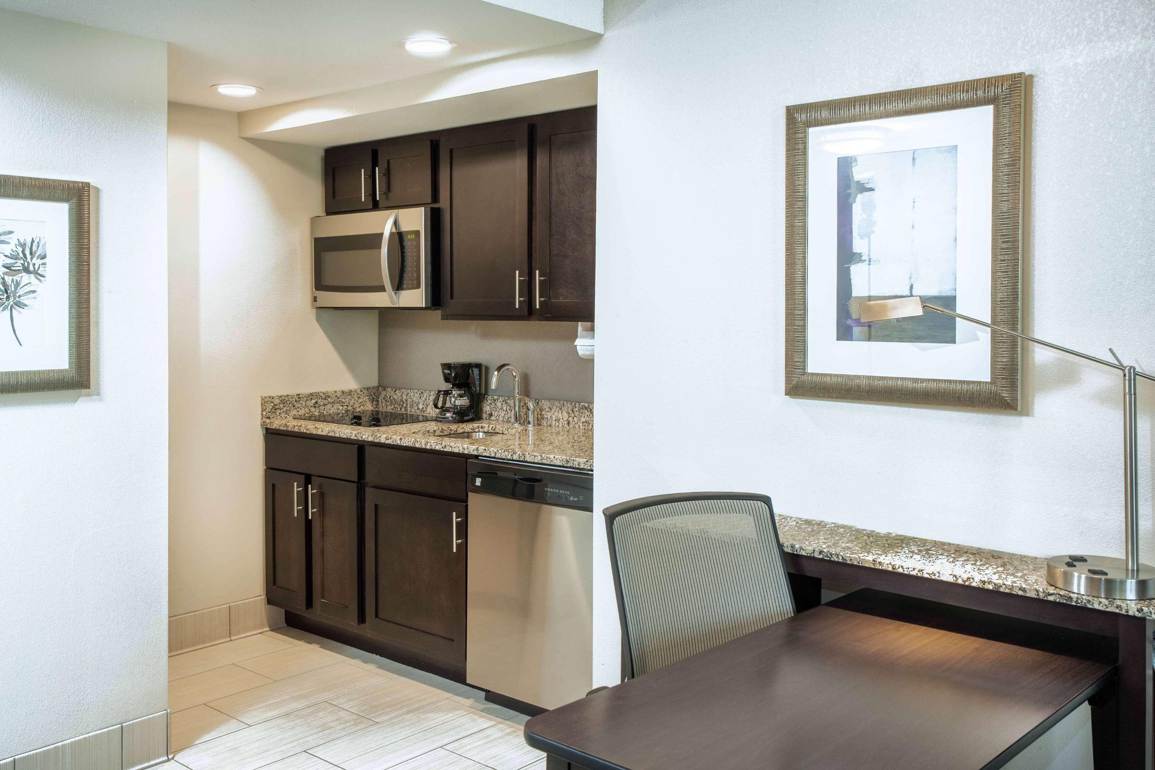 Homewood Suites by Hilton Munster image 6