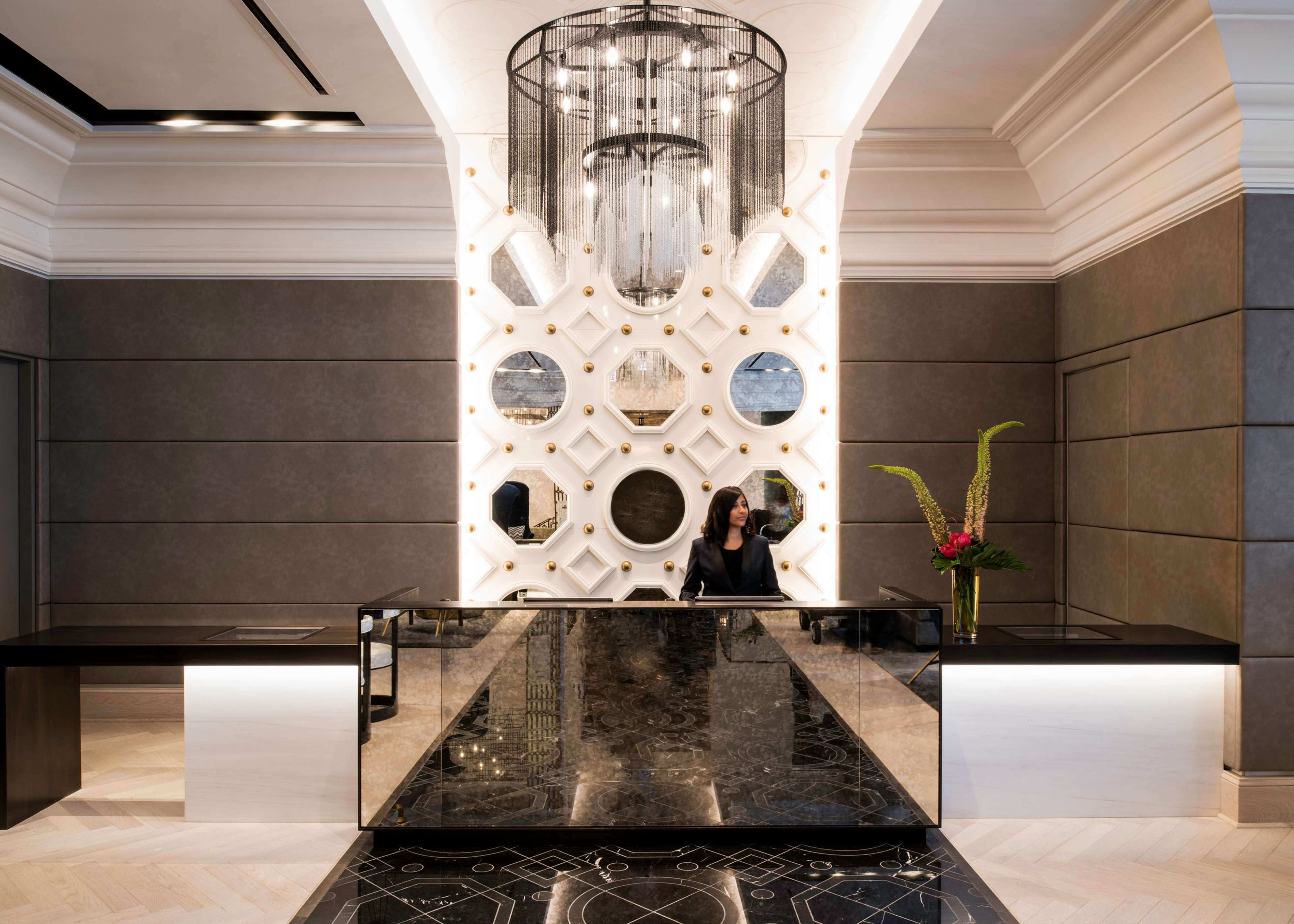 LondonHouse Chicago, Curio Collection by Hilton image 8